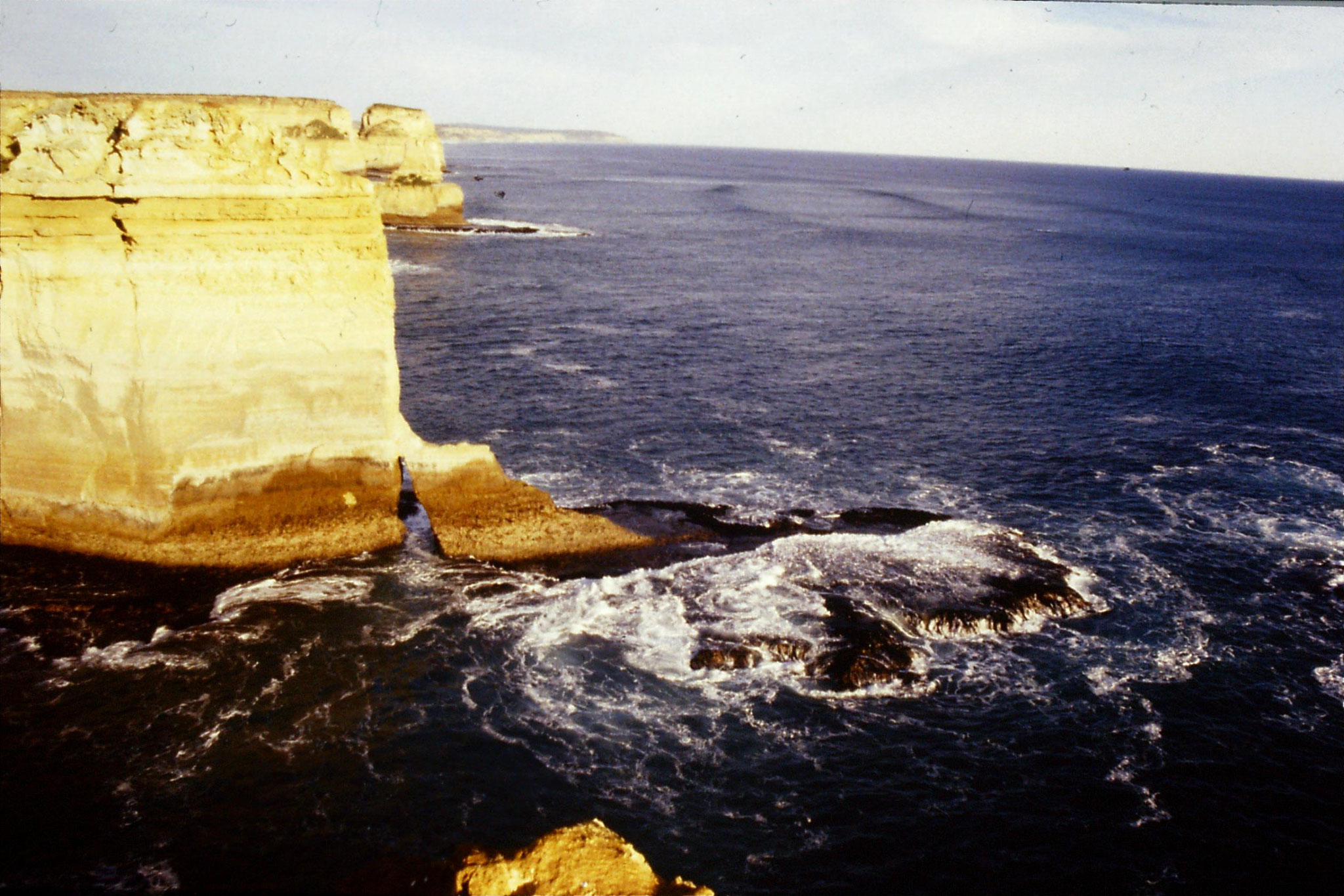 19/9/1990: 26: SE from Loch Ard Gorge