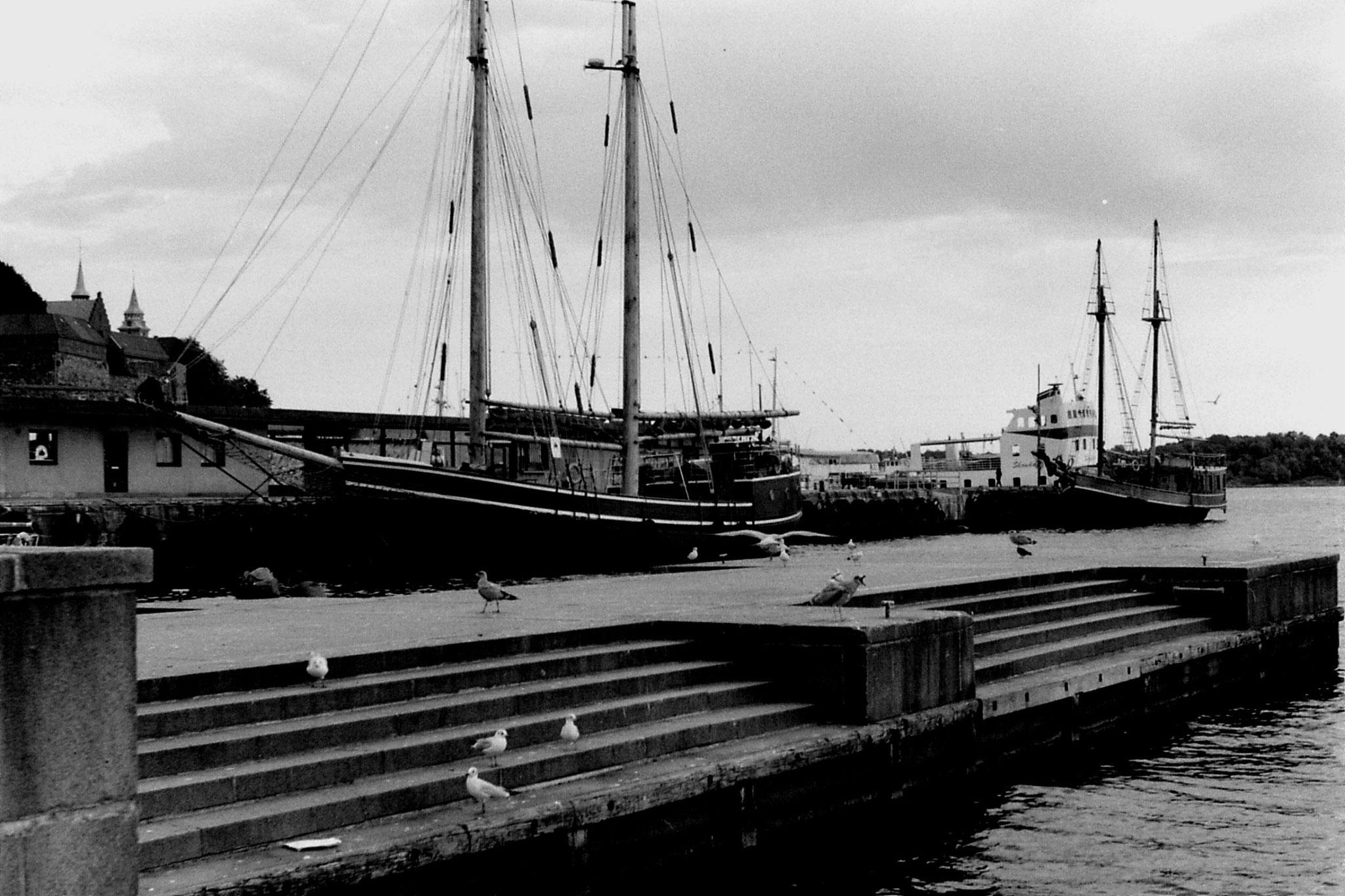15/9/1988: 9: Oslo harbour