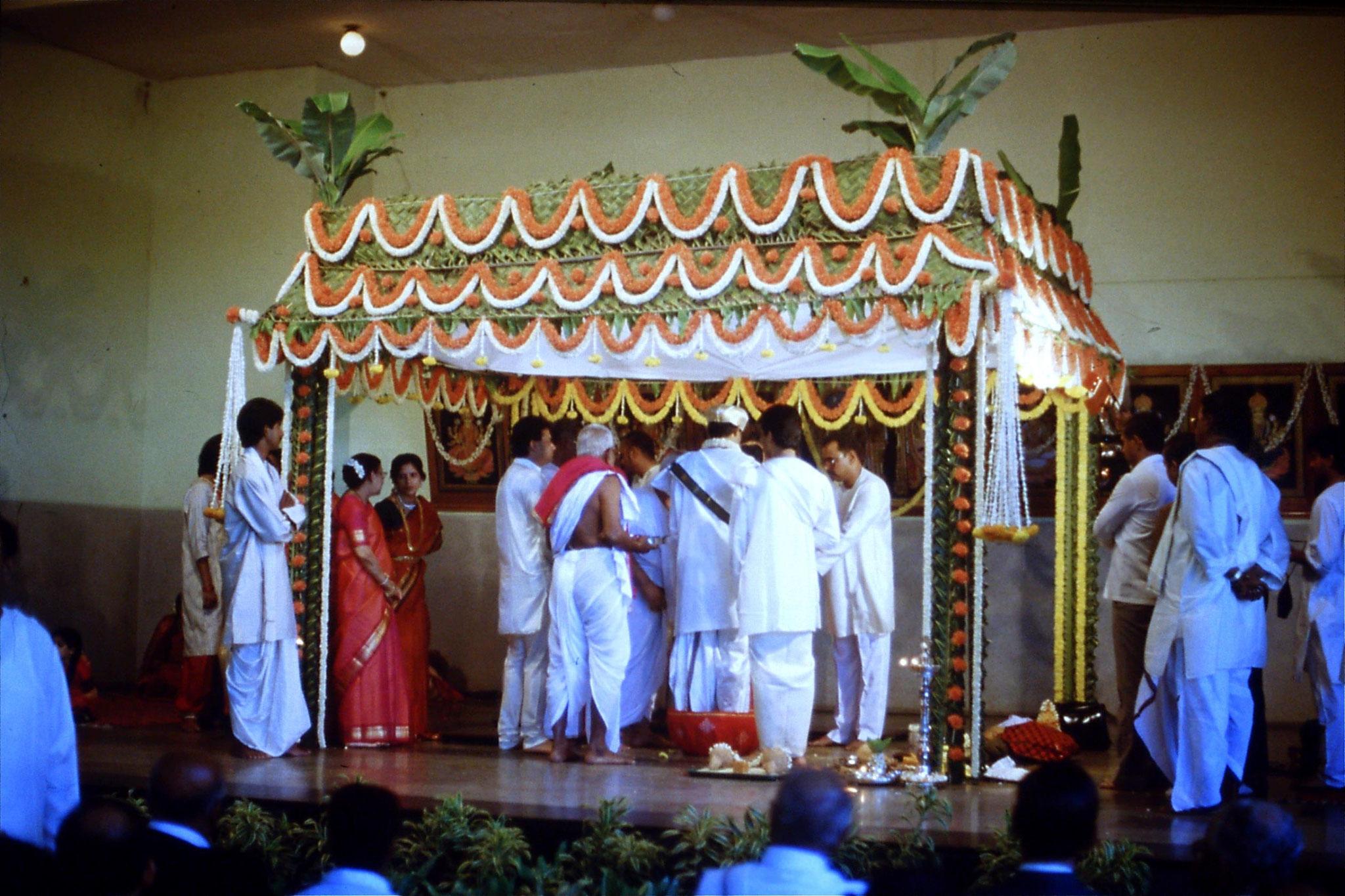 108/22: 18/3/1990 Bangalore wedding ceremony