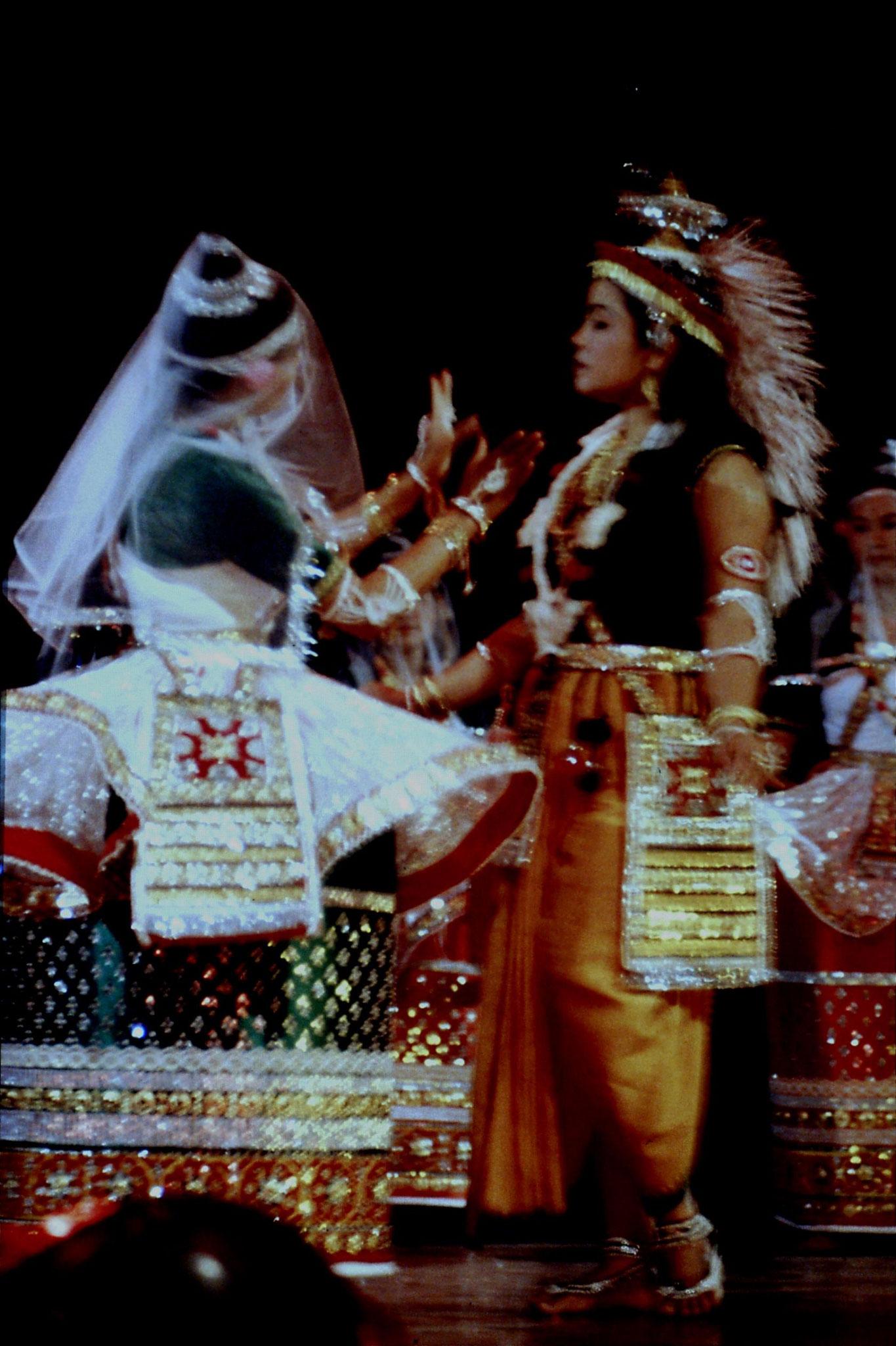 114/20: Imphal - Nehru Manipur Dance Academy show