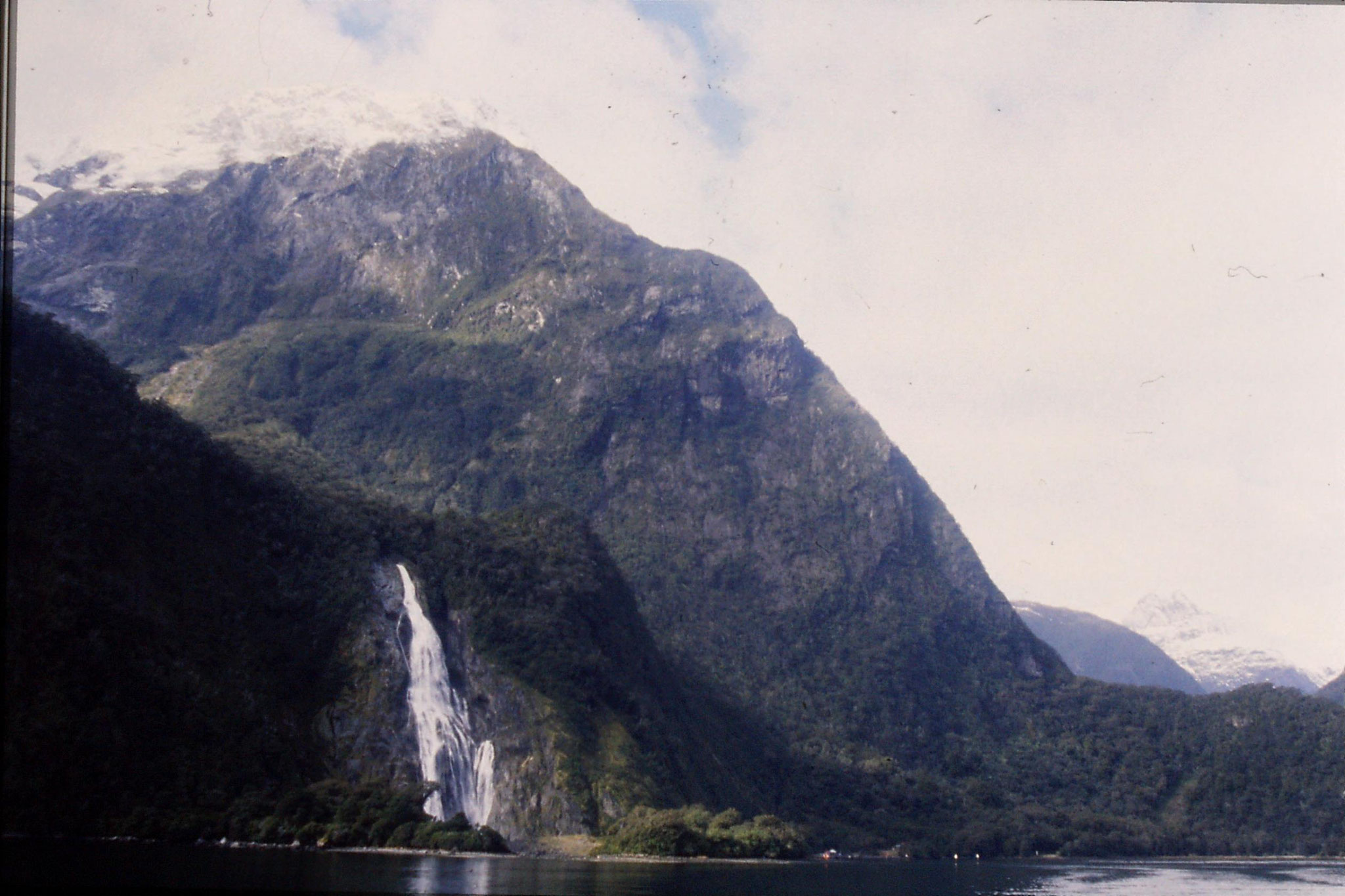 15/8/1990: 7: Lady Bowen Falls on Milford Sound