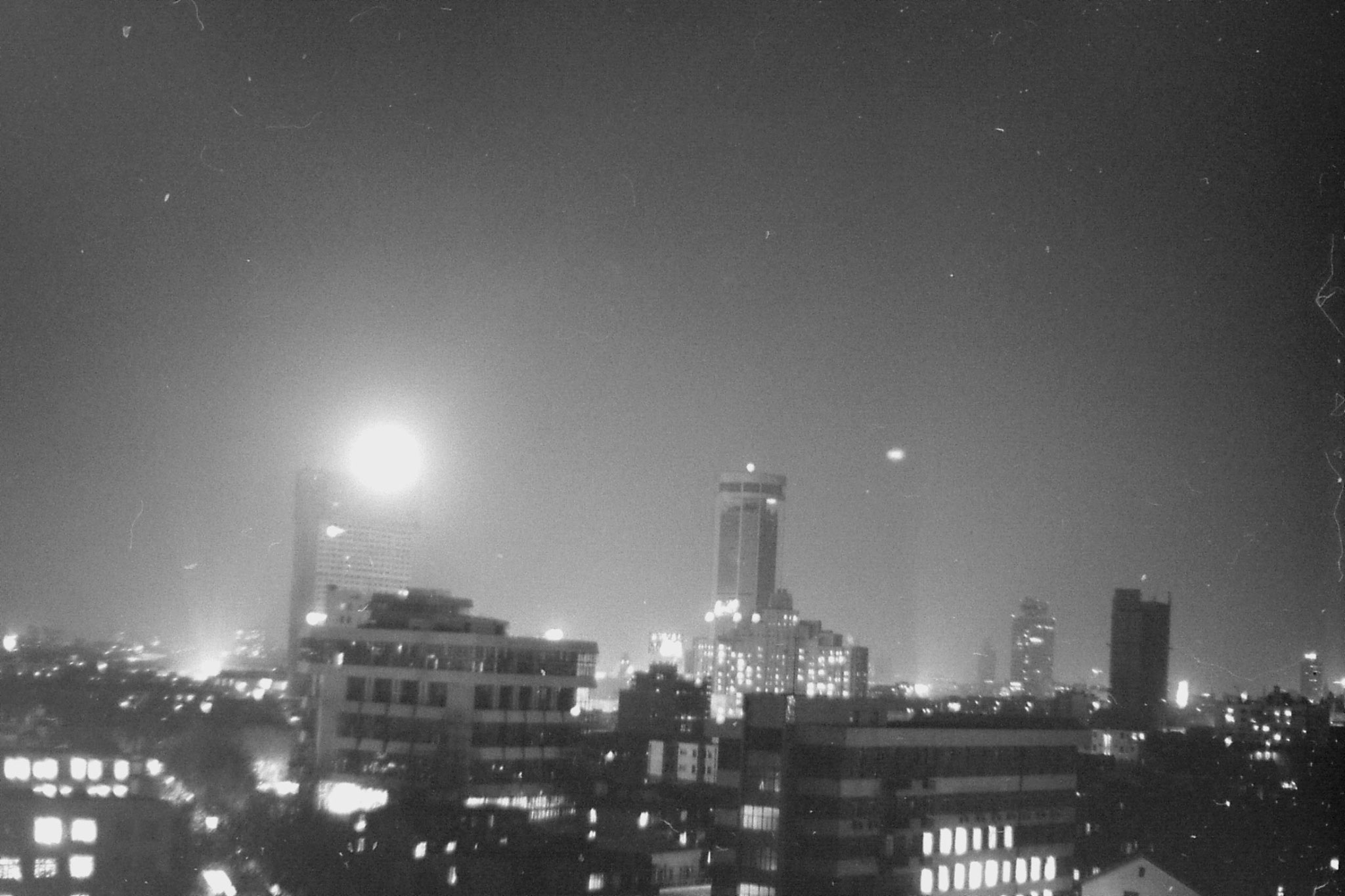 15/12/1988: 30: night view of Shanghai