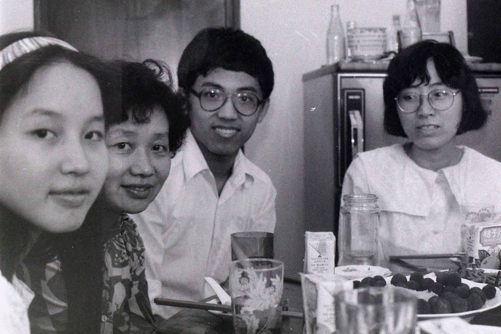 3/7/1989: 12: Shanghai, lunch at Prof. Xu's flat