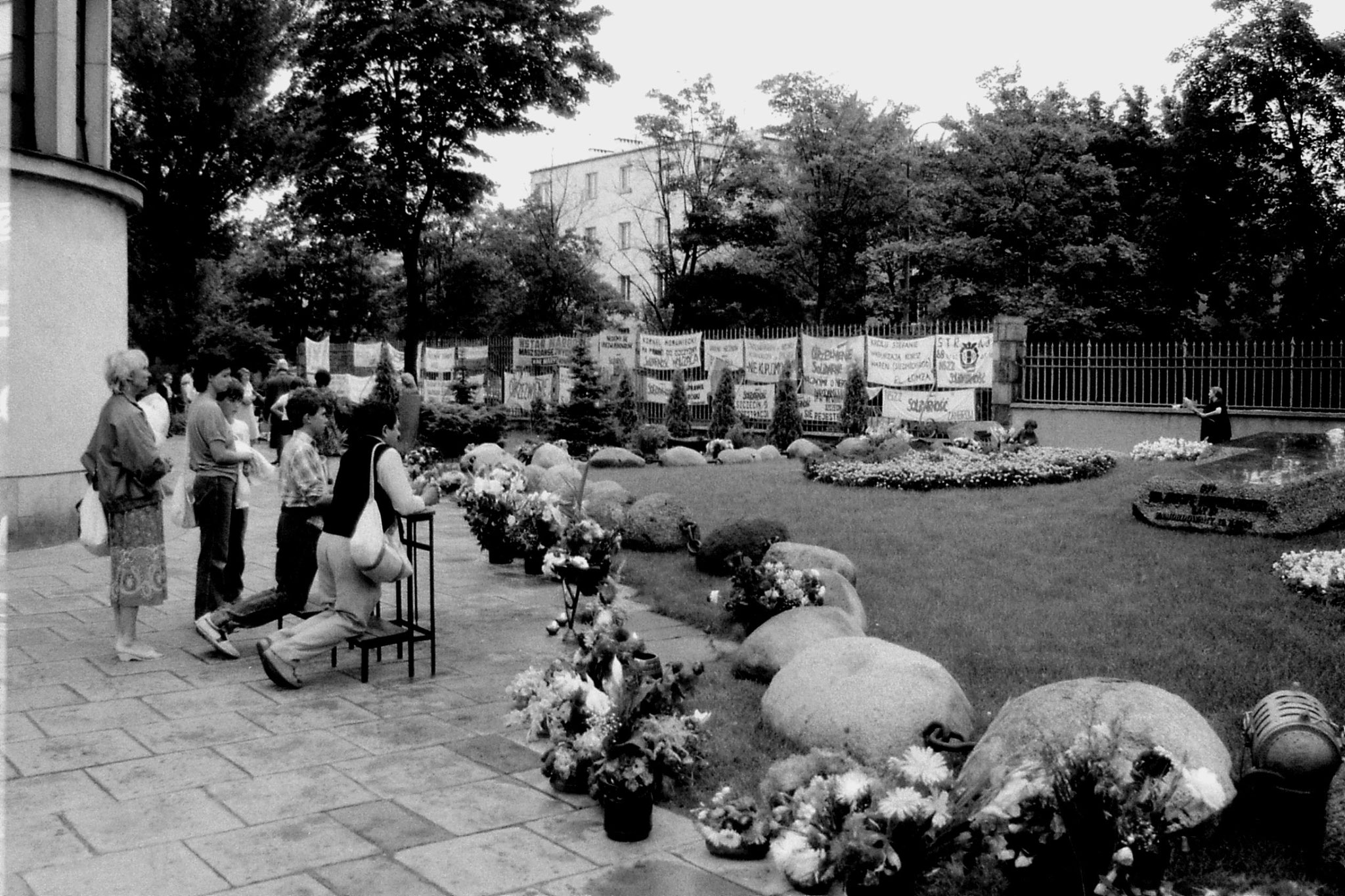 22/8/1988: 21: St Stanislaus Kostka Church where Father Jerzy Popieluszko buried