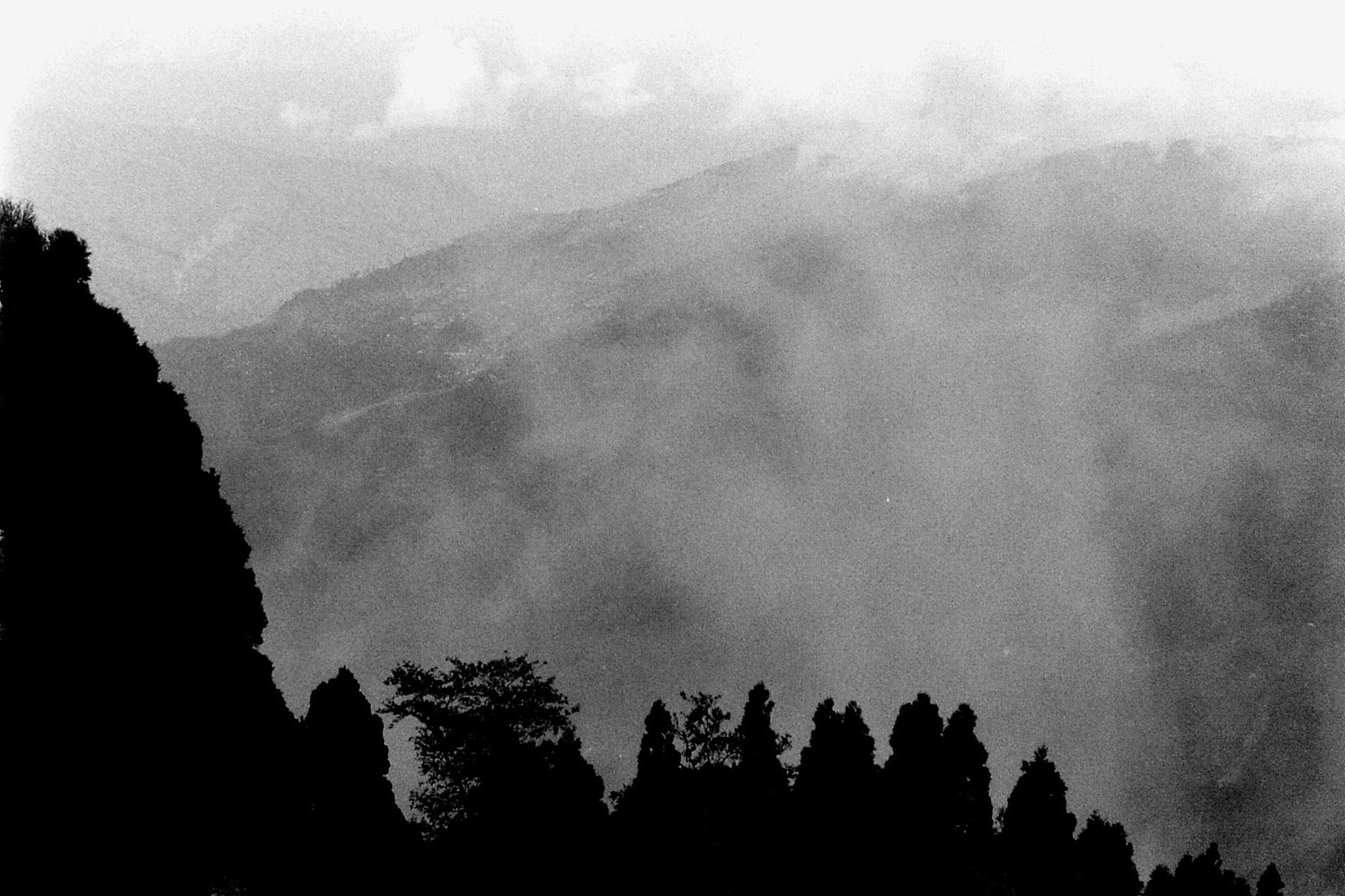 1/5/1990: 7: Darjeeling panorama