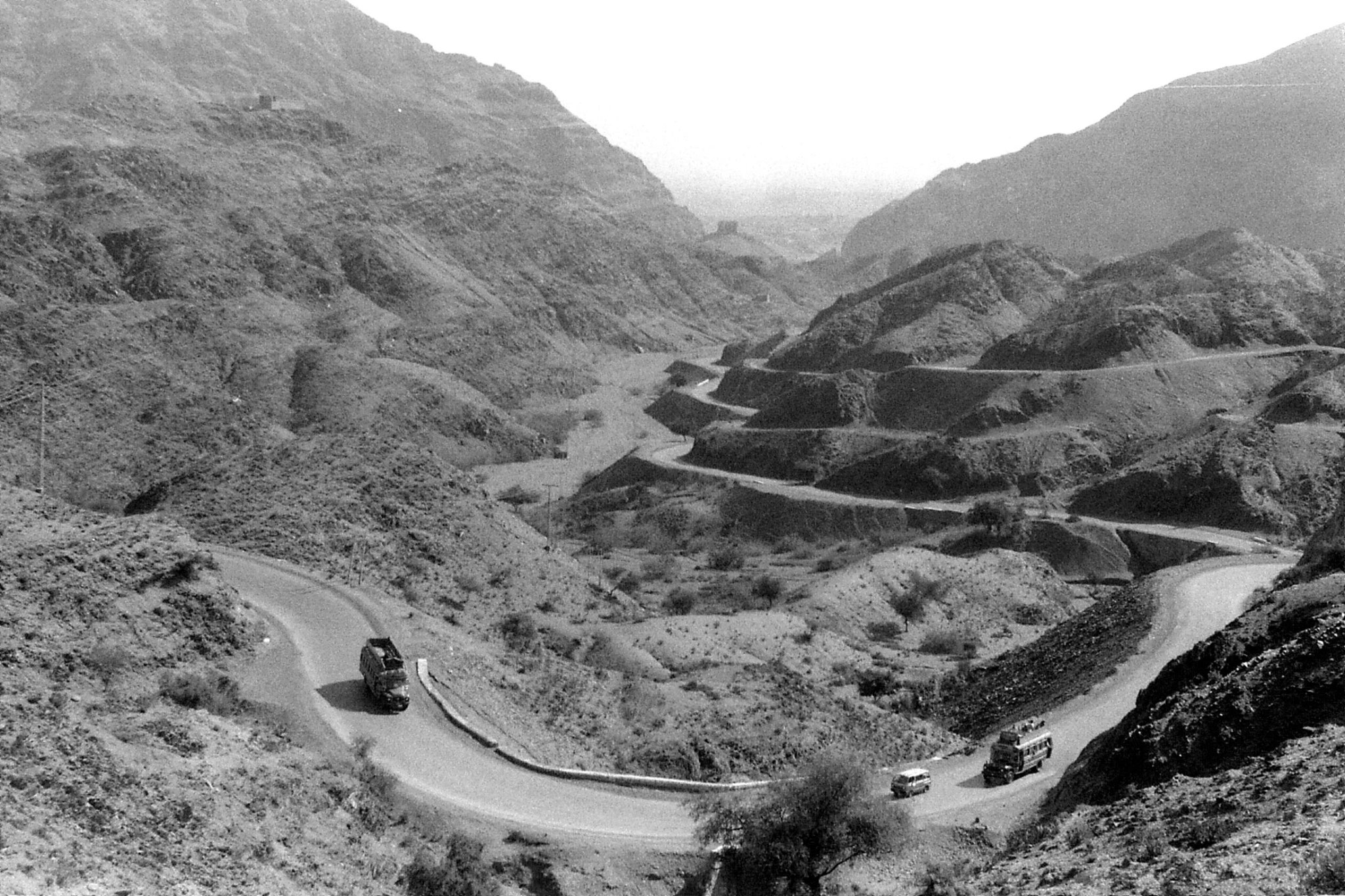 6/11/1989: 23: Kyyber Pass looking towards Peshawar