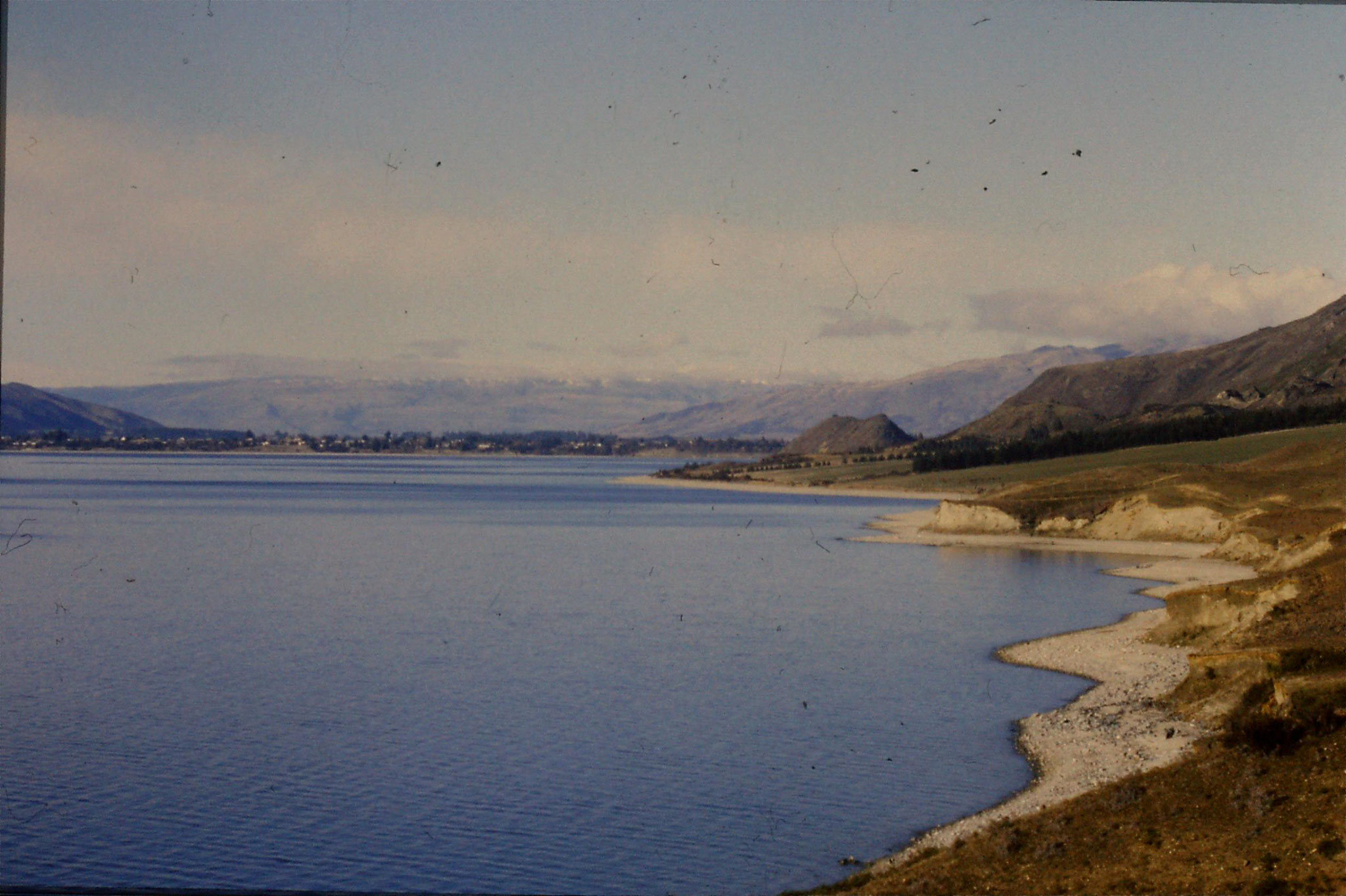 21/8/1990: 19: Lake Hawea