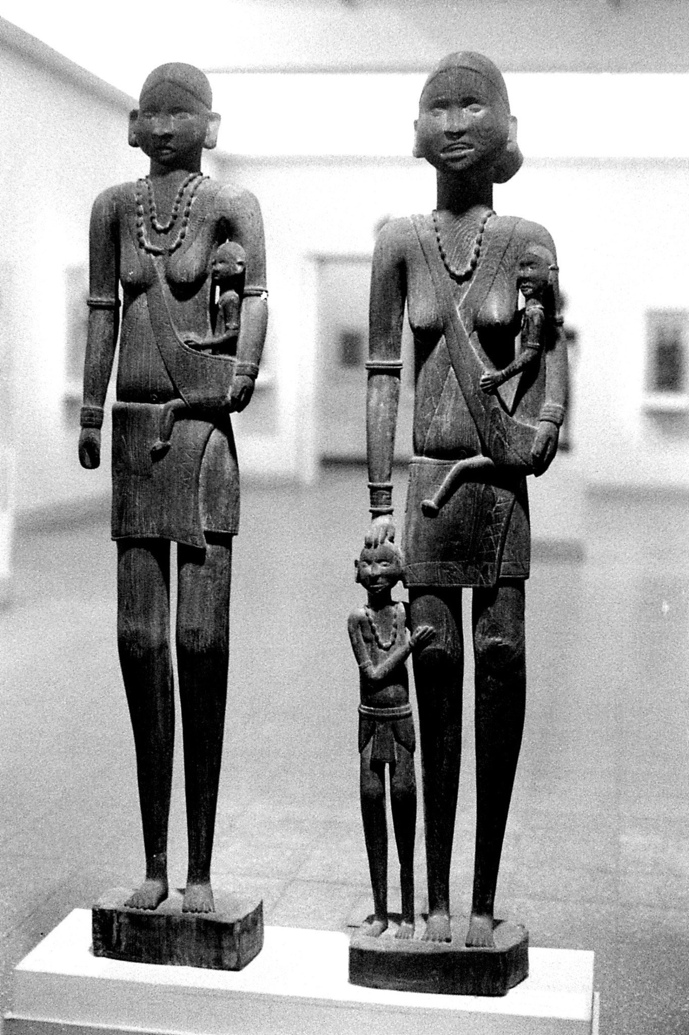 26/11/1989: 33: National Museum, Muria tribe
