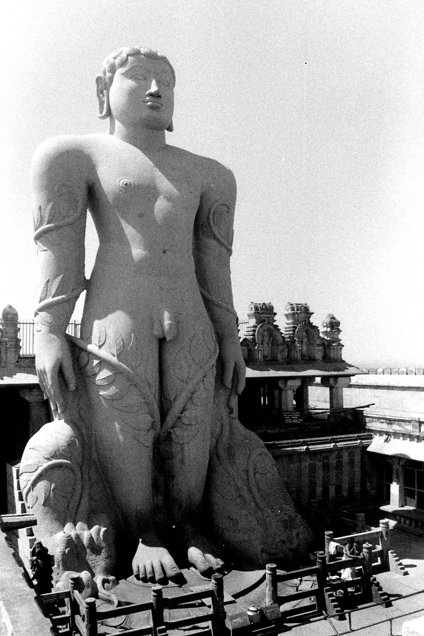 13/2/1990: 30: Sravanabelagola 17m statue