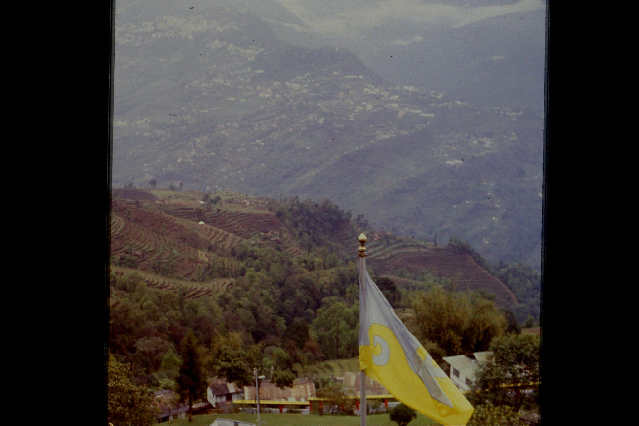 115/11: 23/4/1990 Rumtek - view of Gangtok and terrain