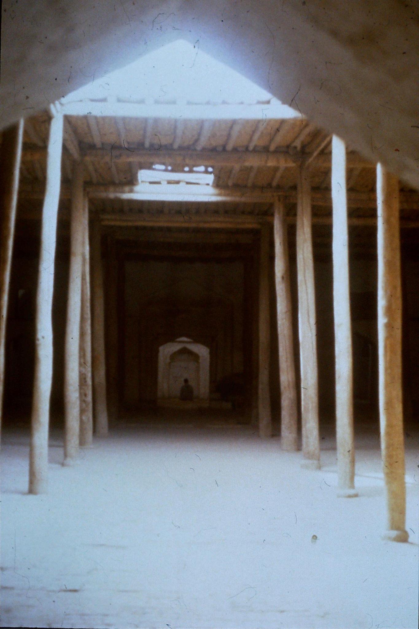 28/8/1989:26: Imin Pagoda