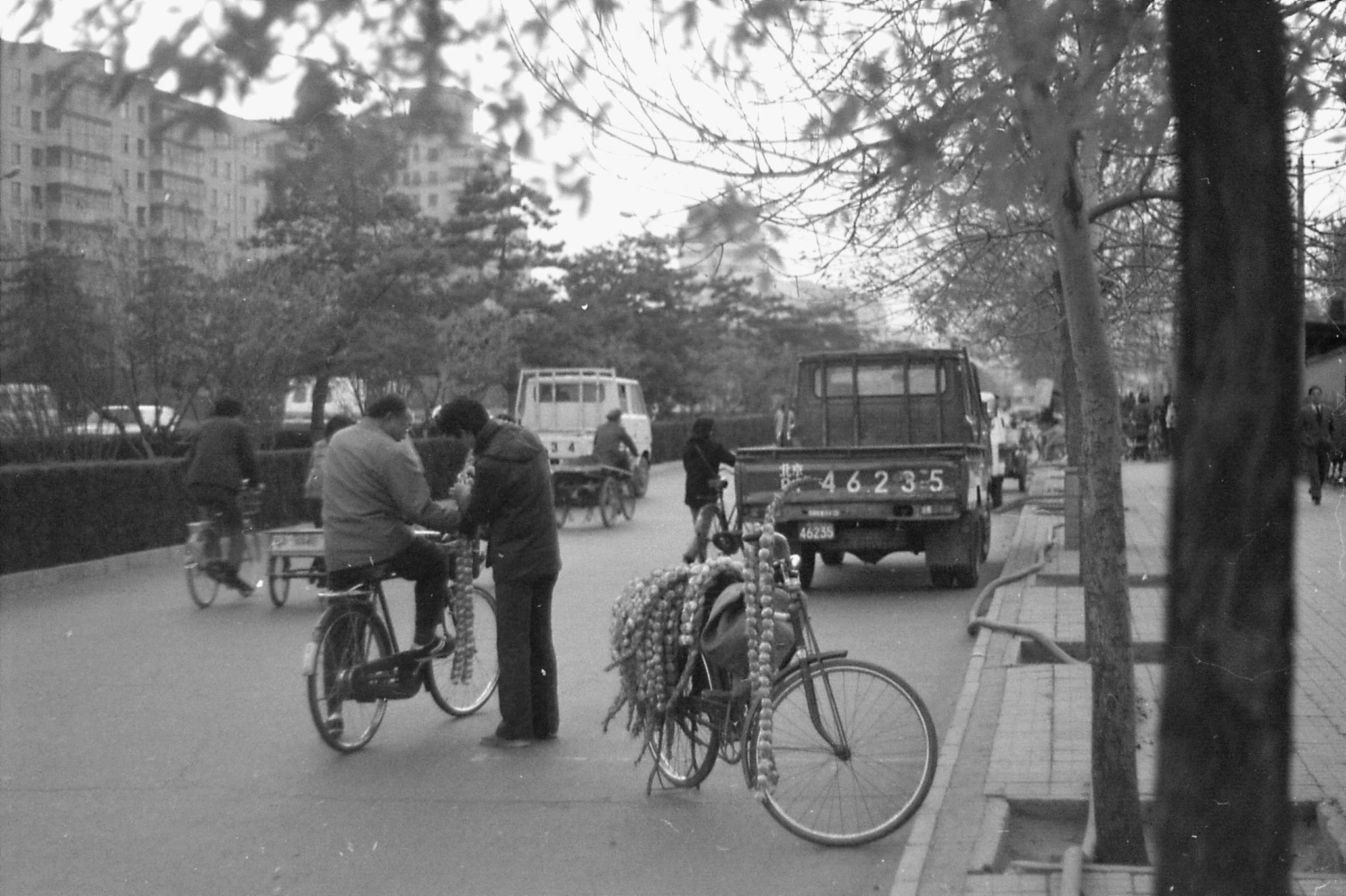 14/11/1988: 24: Road in front of Beijing Hotel