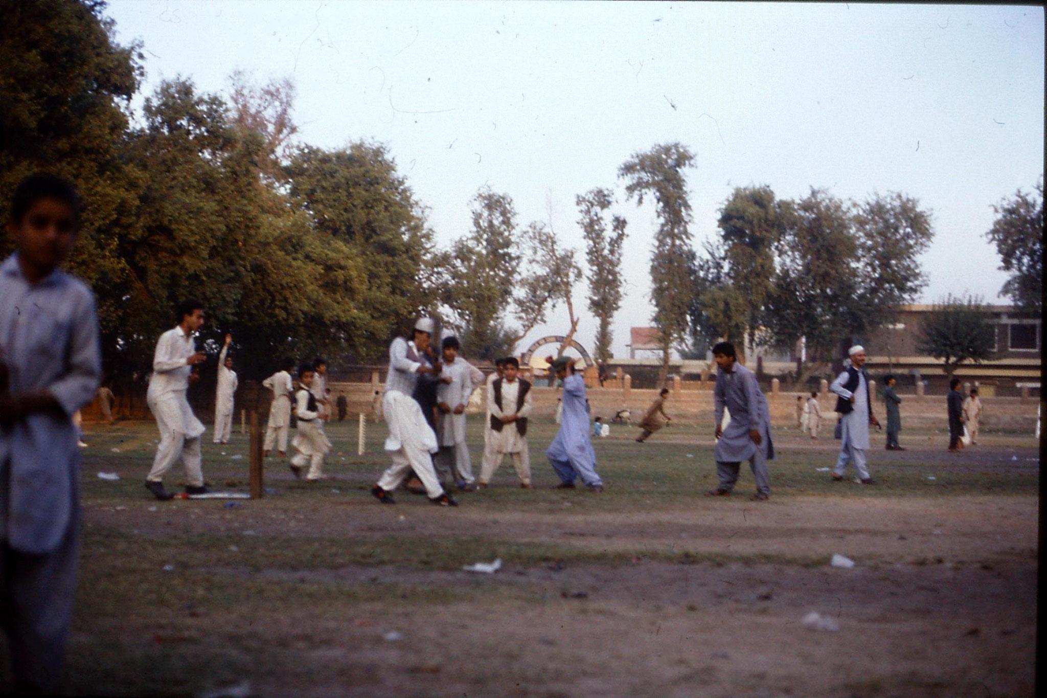 3/11/1989: 8: Peshawar, Wazir Barg
