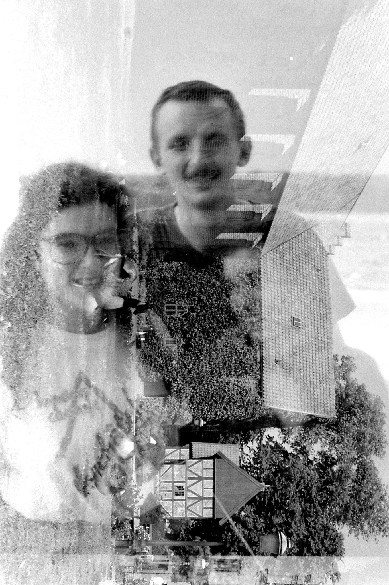 28/8/1988: 11: Robert and E
