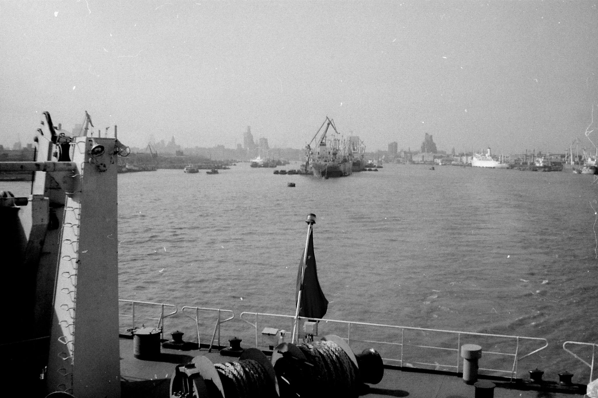 17/12/1988: 31: Shanghai from ship to Japan