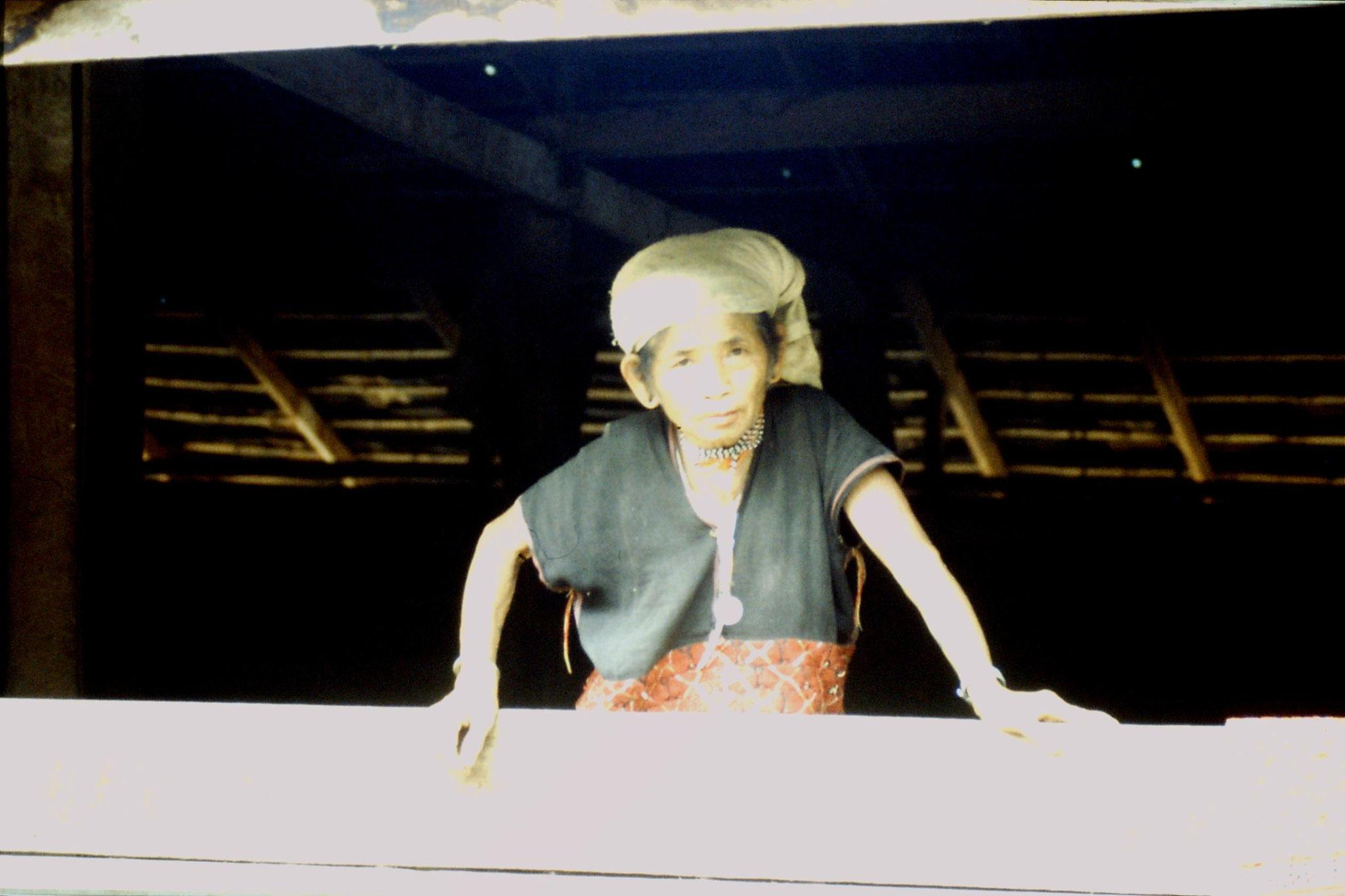 12/6/1990: 4: Trek - Mae Mi village (Karen)