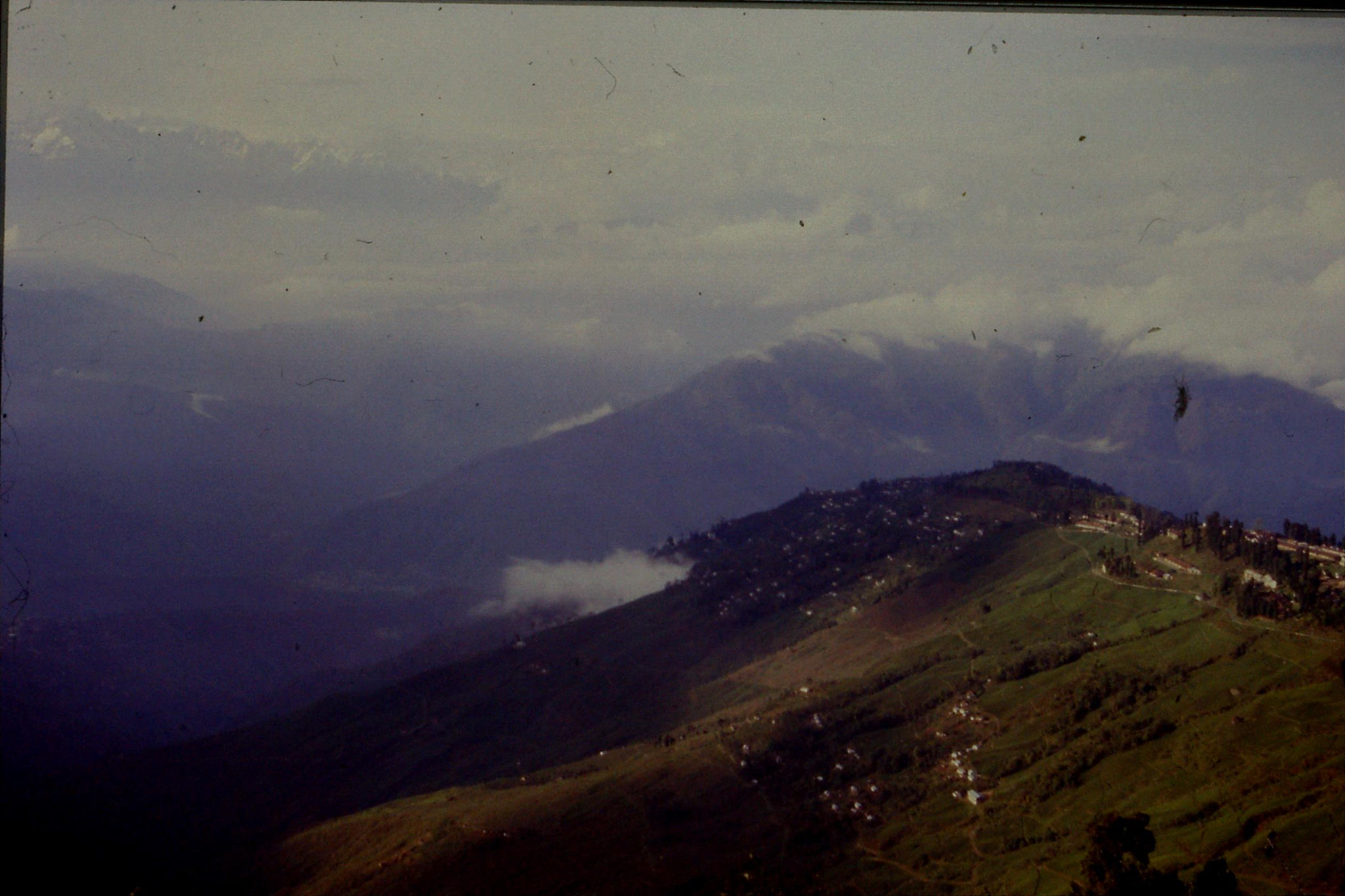 3/5/1990: 4: Darjeeling view north