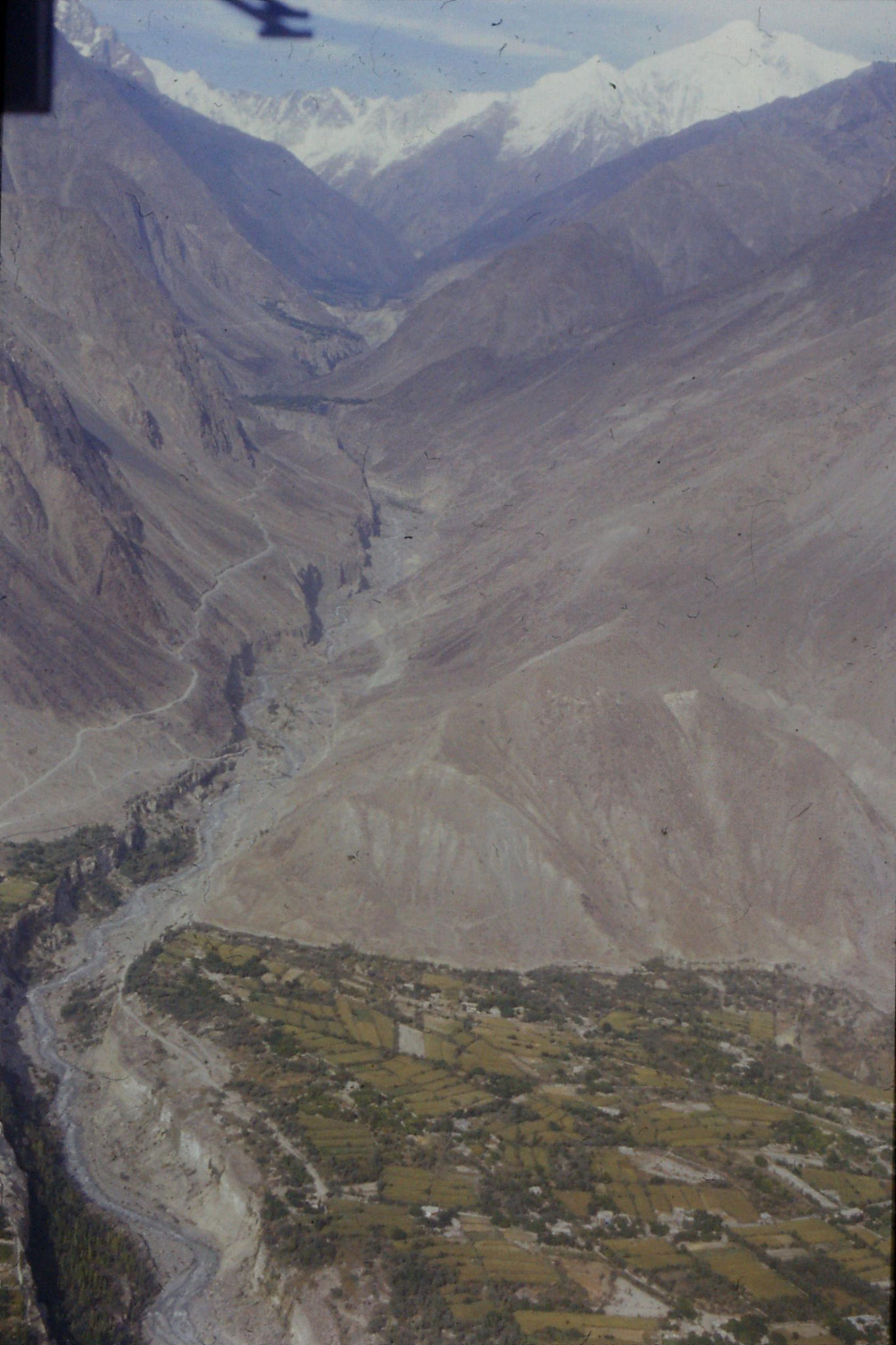 22/10/1989: 23: view of Hunza valley
