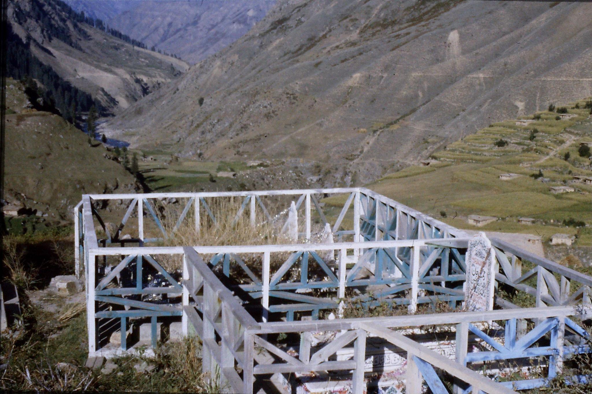 6/10/1989: 16: Kaghan Valley route to Batacundi