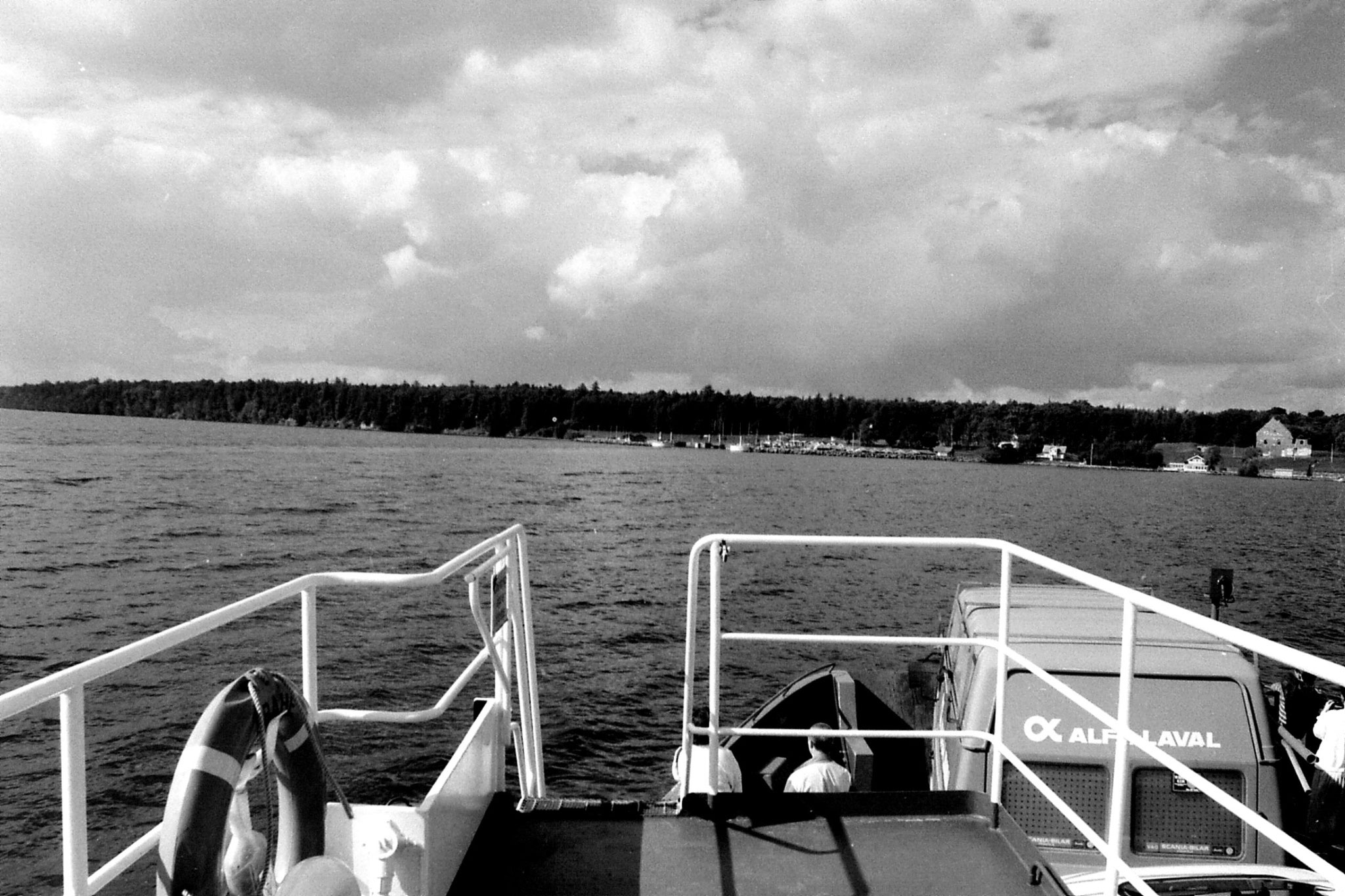 4/9/1988: 30: biew of Vissingso harbour from ferry