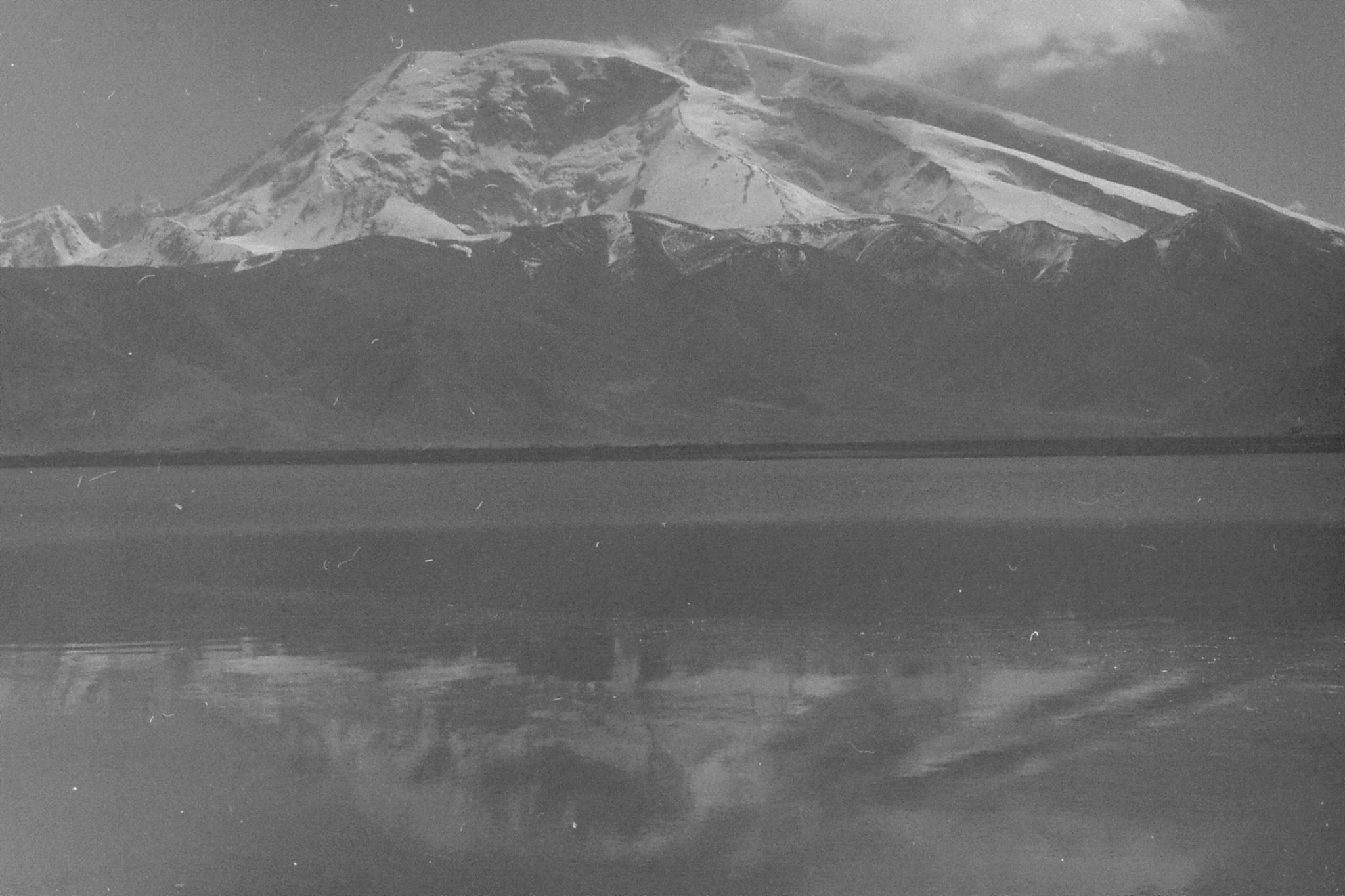 10/9/1989: 4: Lake Karakul