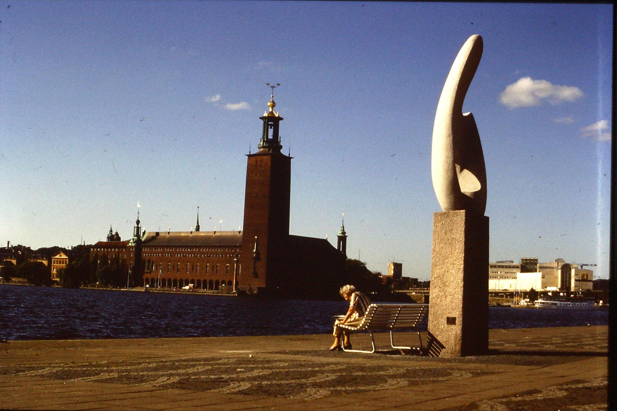 8/9/1988: 34: Radhuset