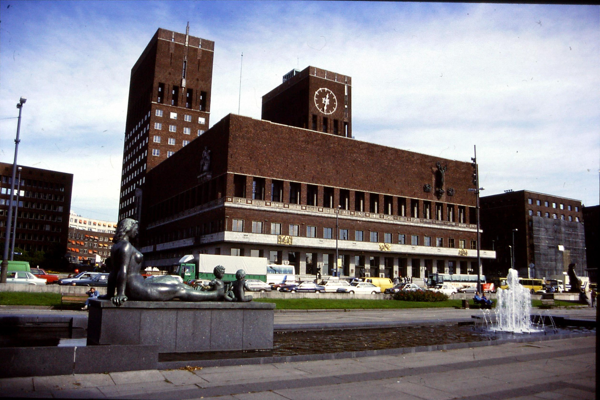 16/9/1988: 8: Oslo City Hall