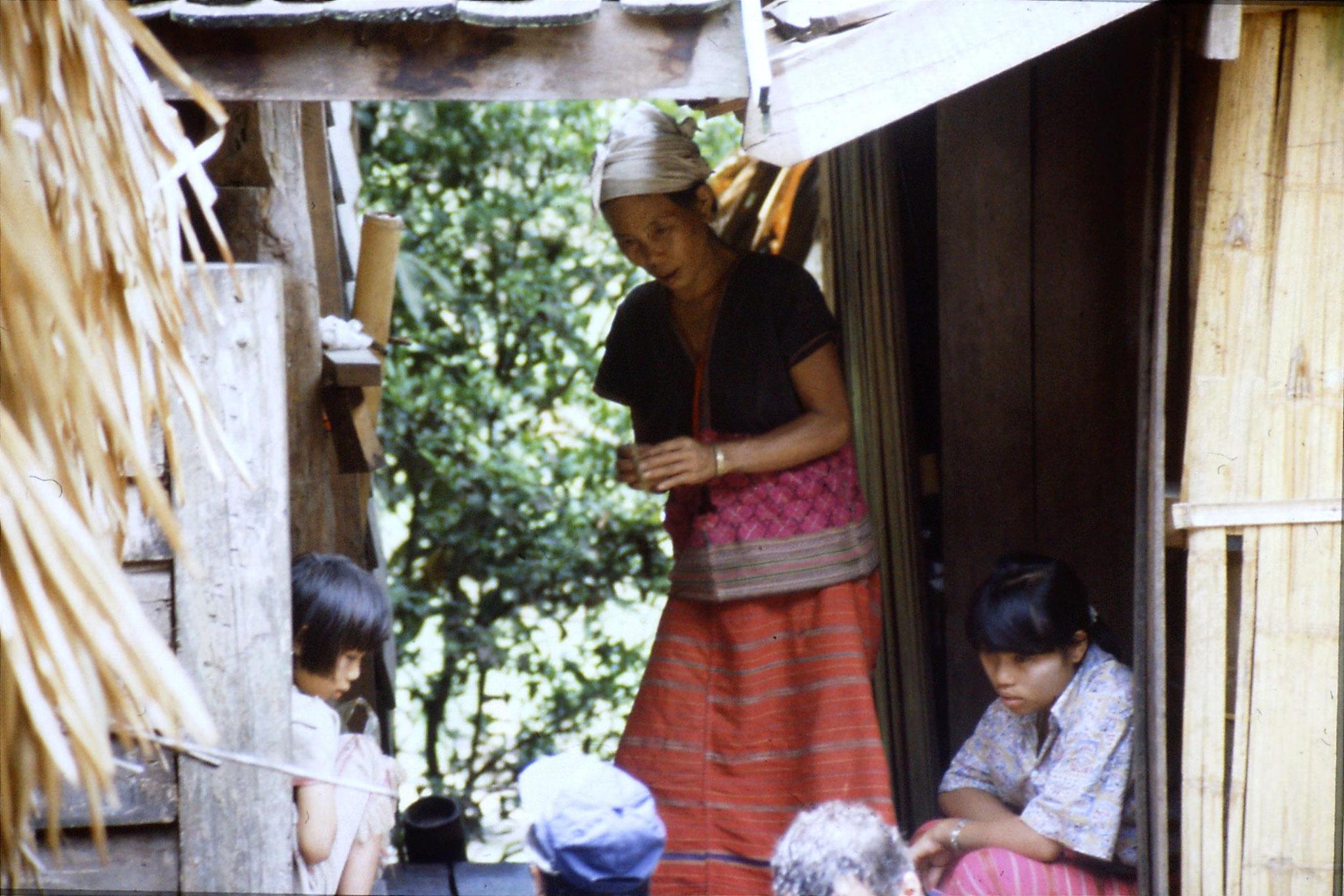 12/6/1990: 6: Trek - Mae Mi village (Karen)