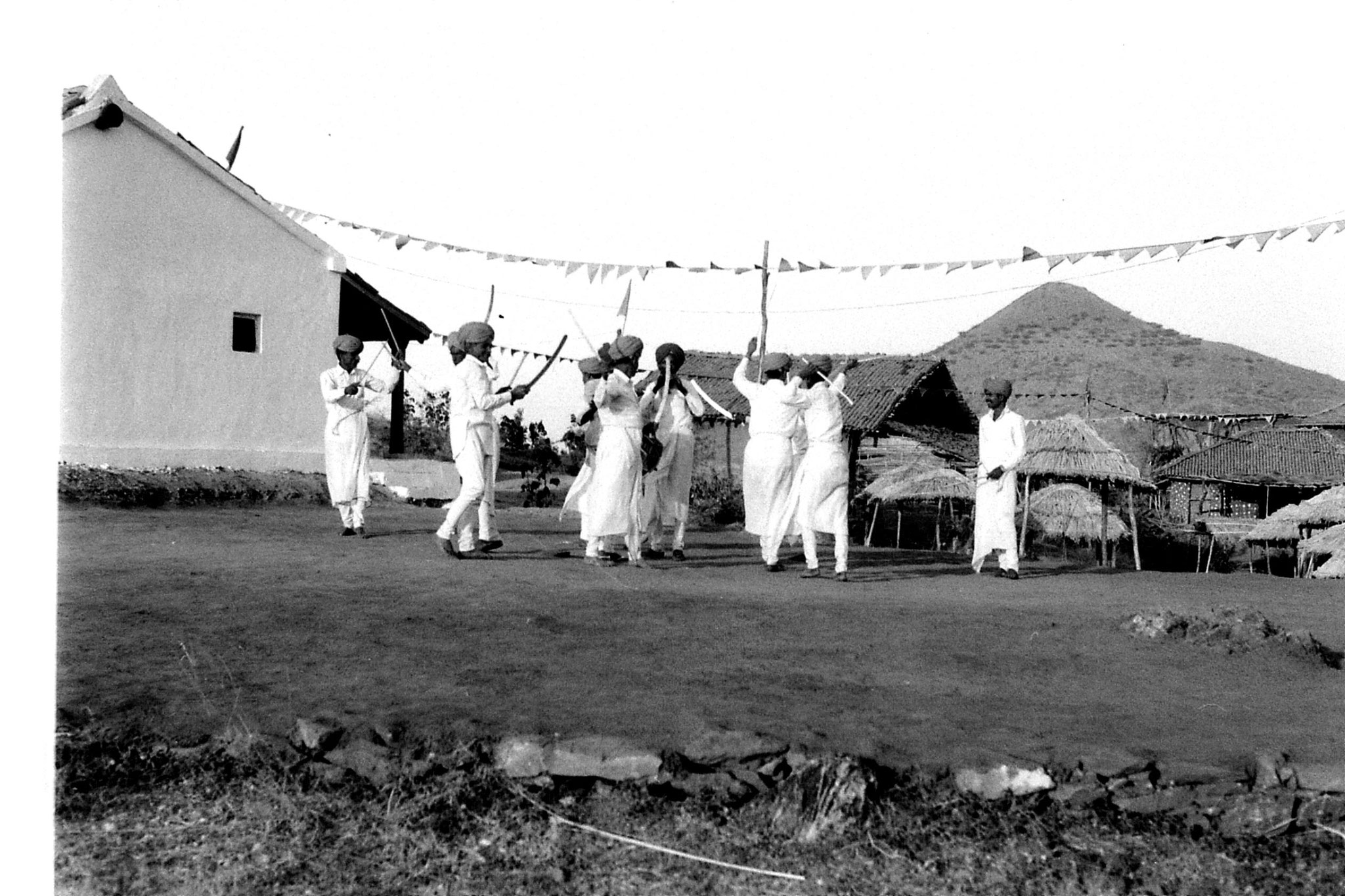 8/12/1989: 18: Udaipur, Shilp Gram Craft Centre