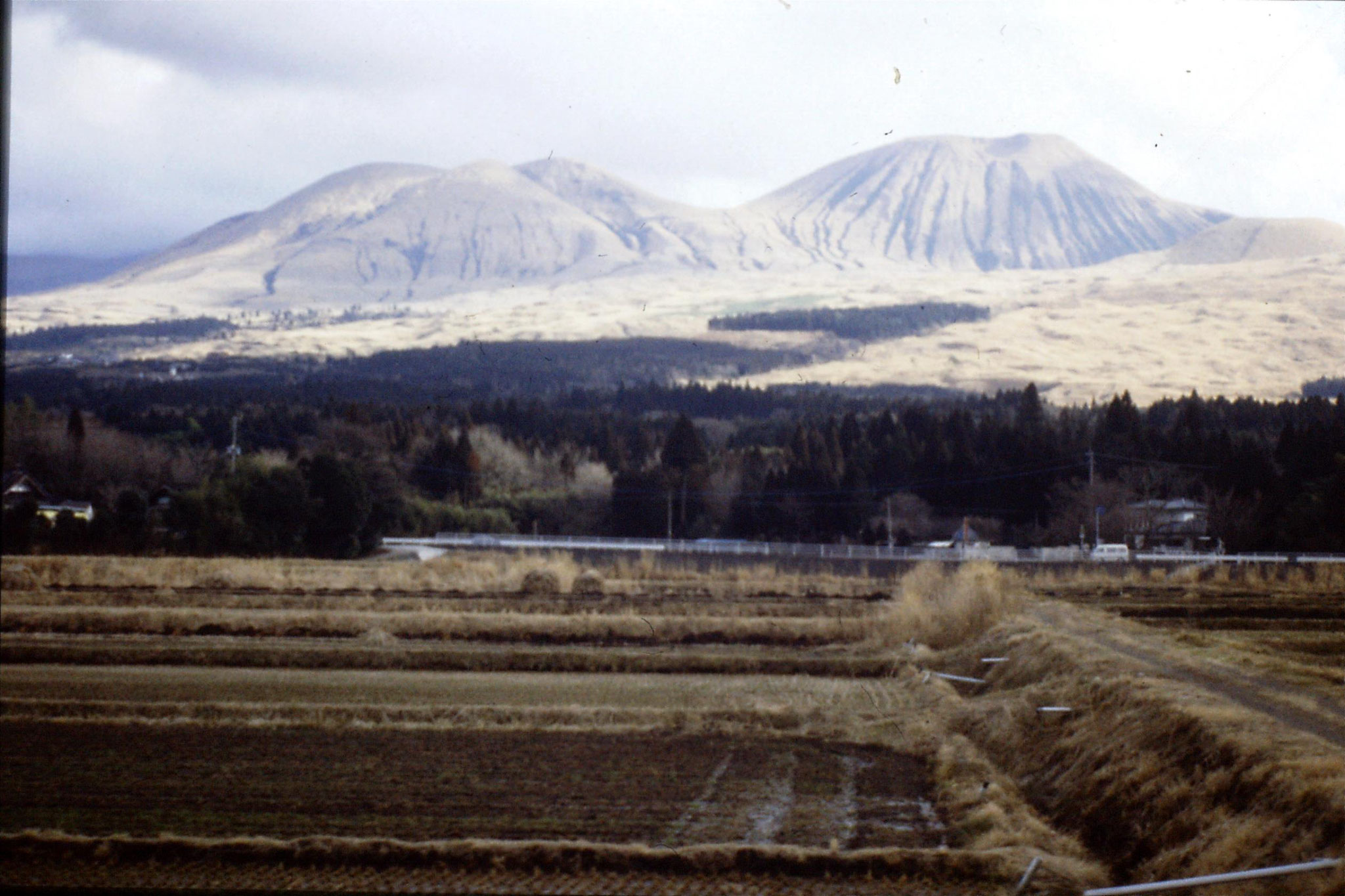 21/1/1989: 37: Mt Aso from train at Komezuka
