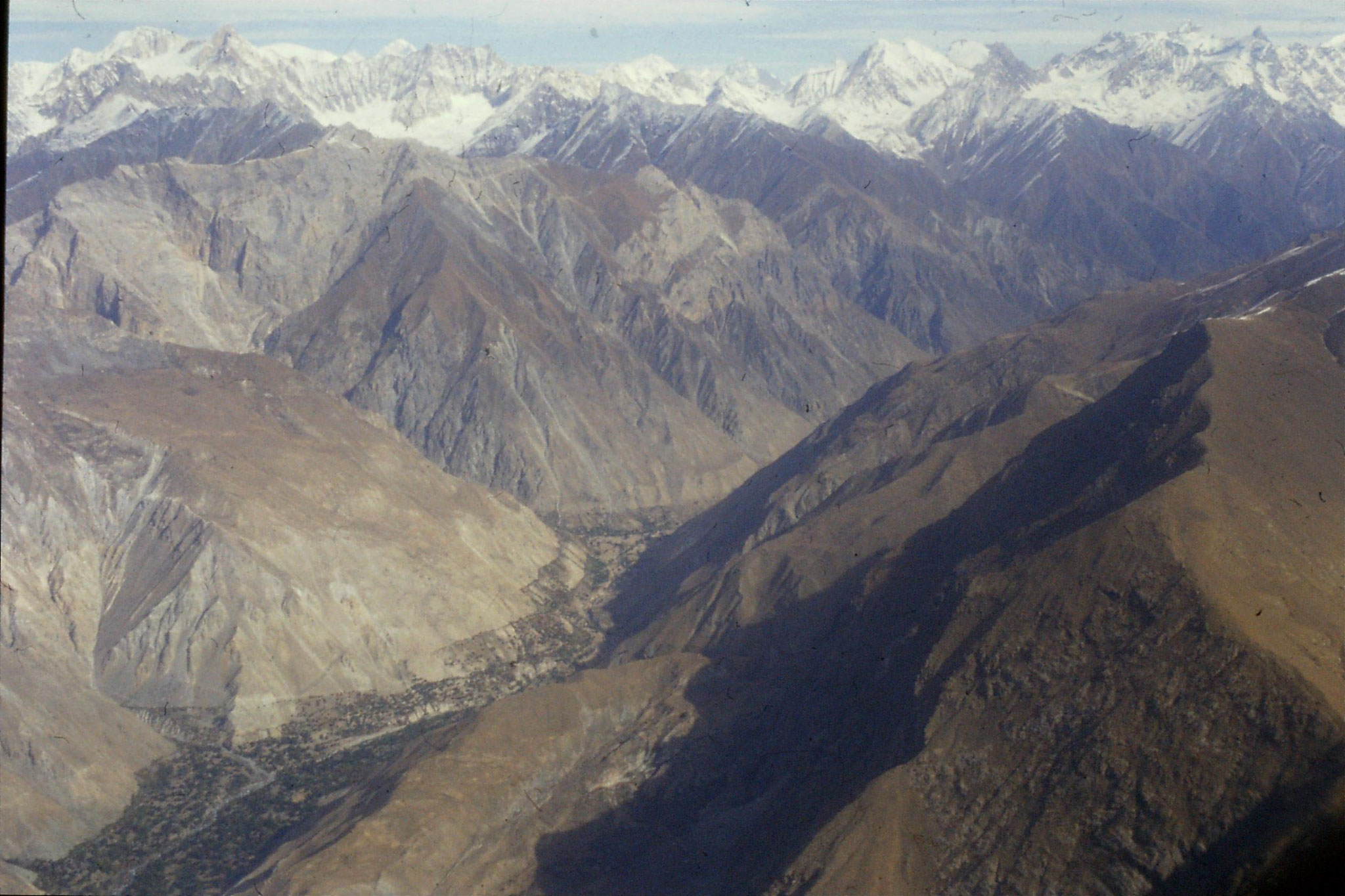22/10/1989: 19: mountains at bend of Indus