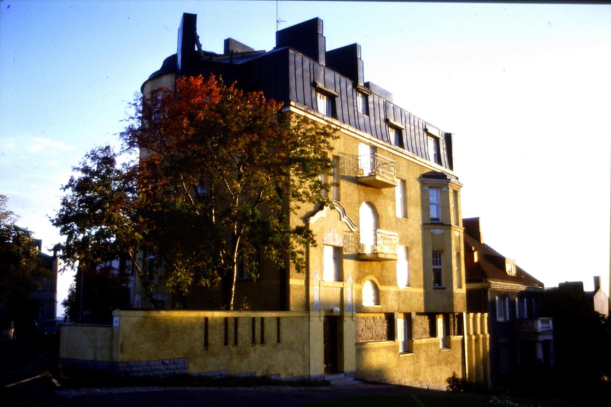 30/9/1988: 34: house in Engelinaukio