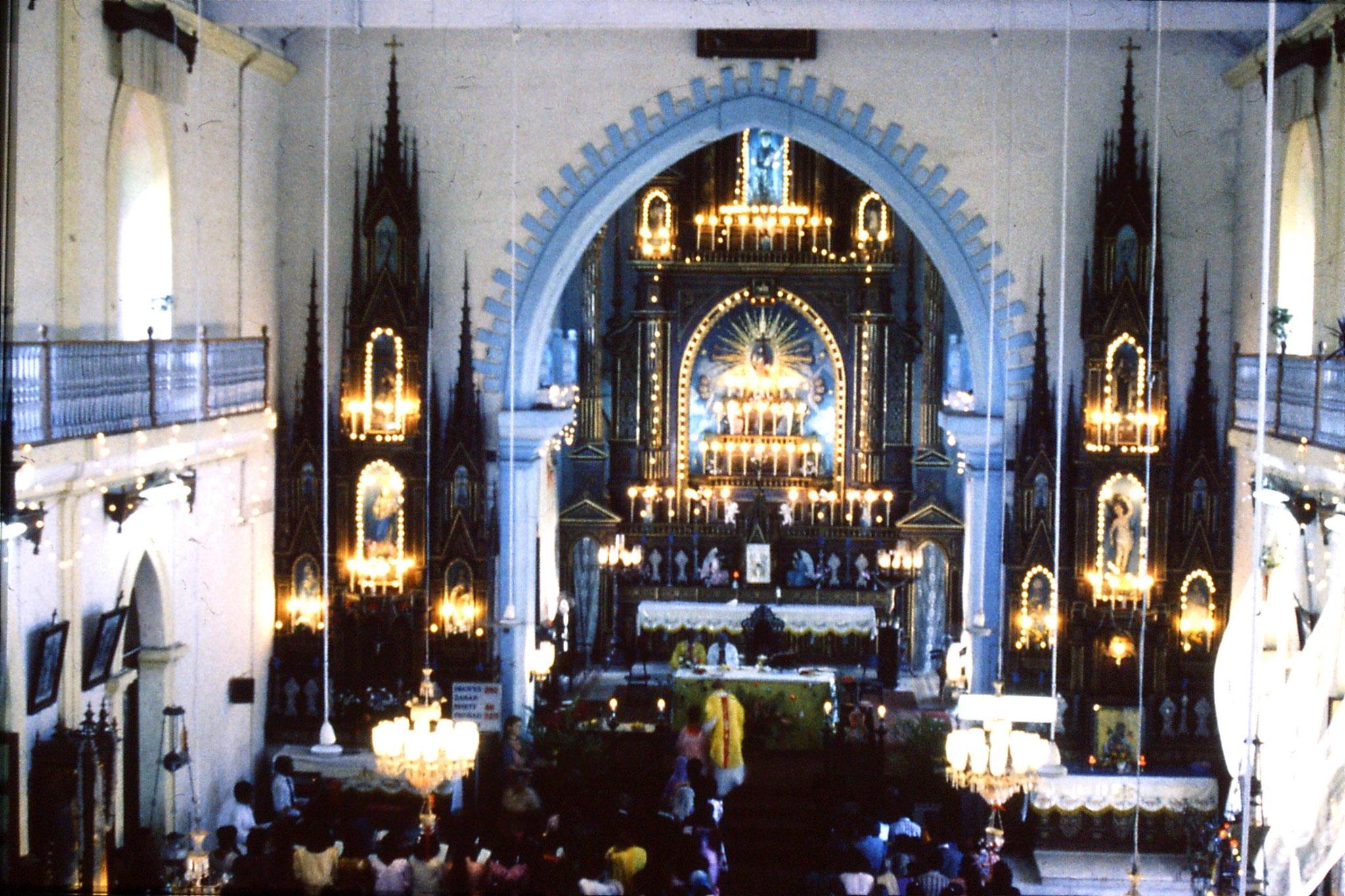 31/12/1989: 9: Siolim church and 10.30 mass