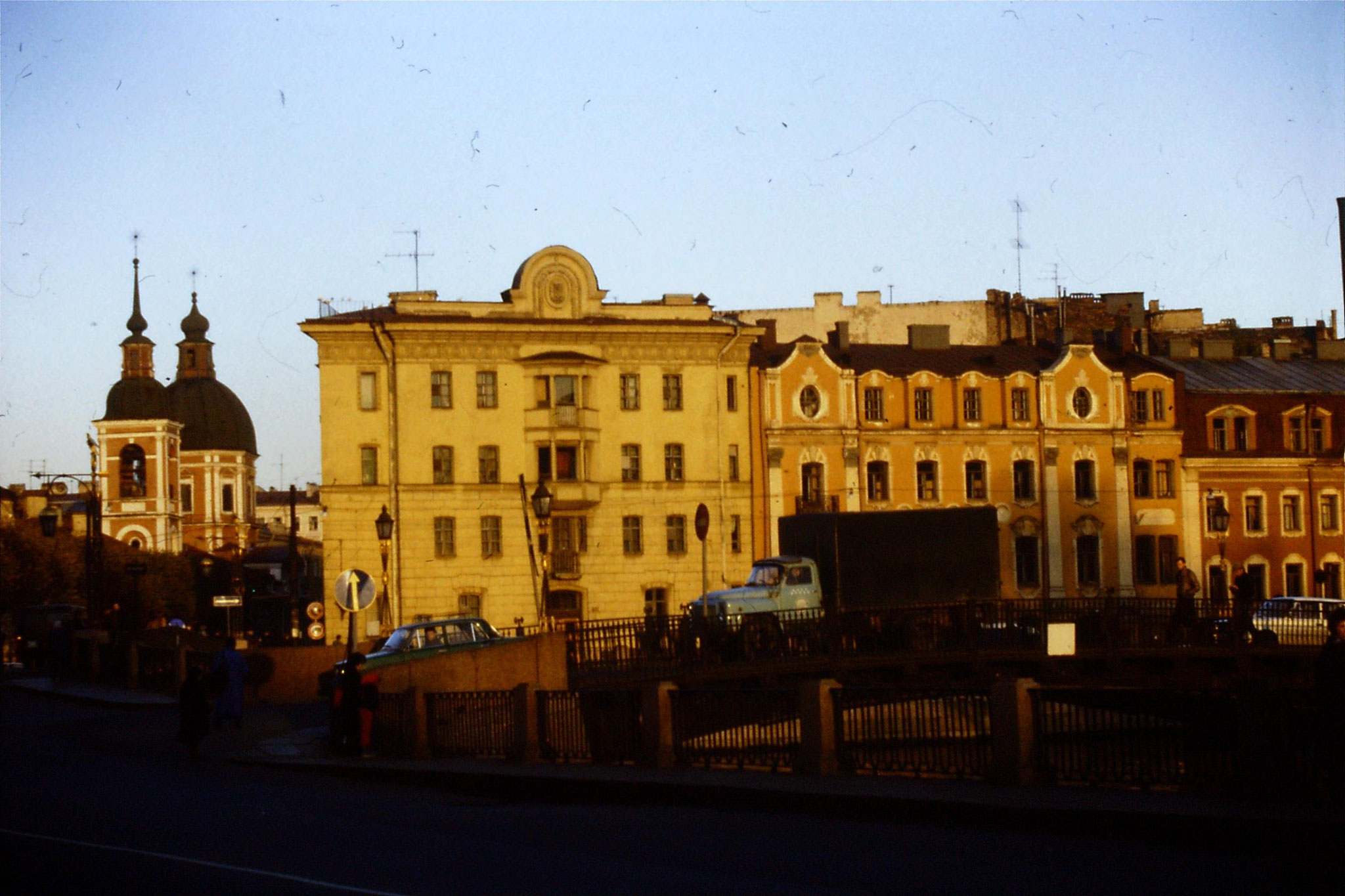 13/10/1988: 28: houses near Michaelovsky Palace