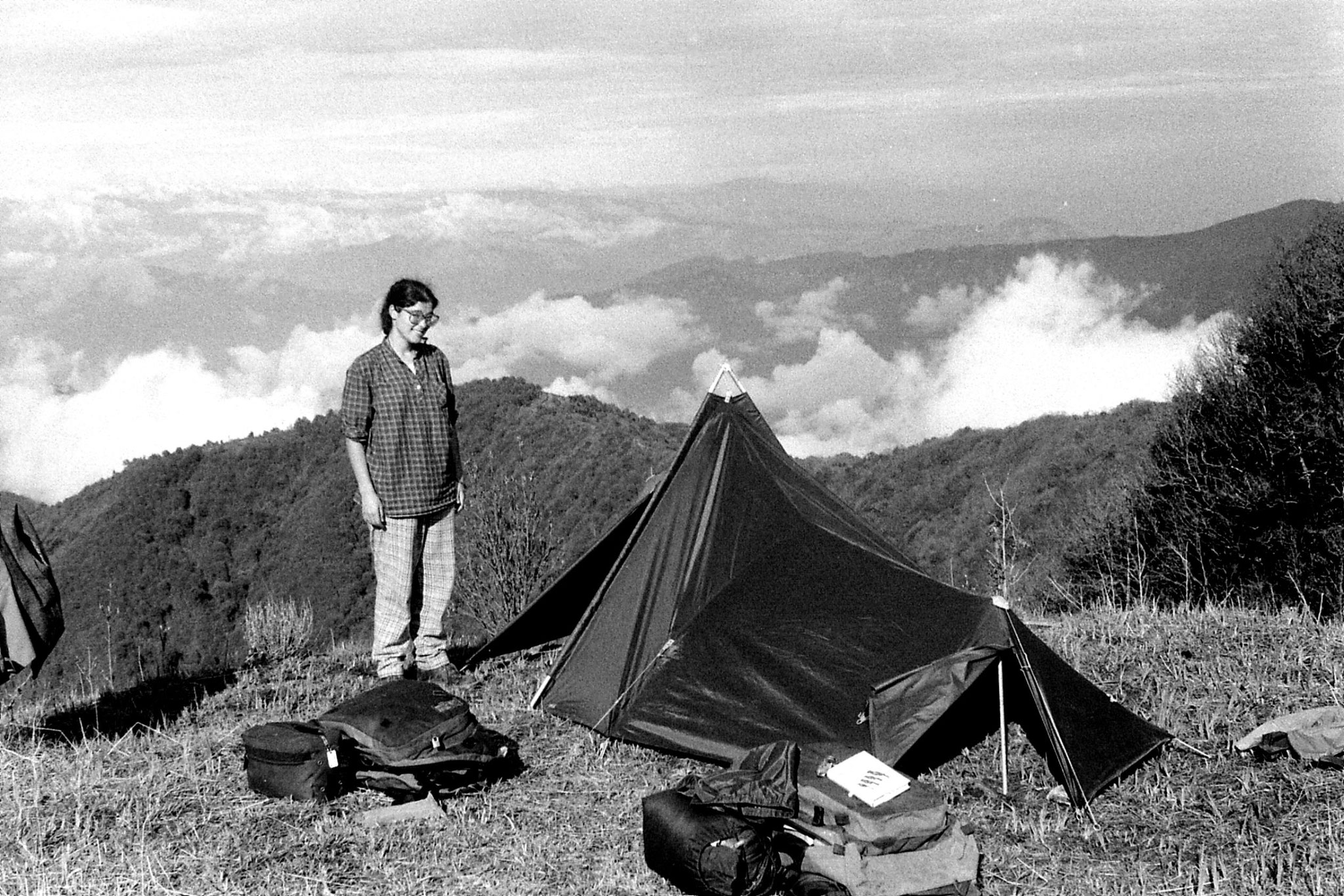 4/5/1990: 11: nr Tonglu with Kanchenjunga