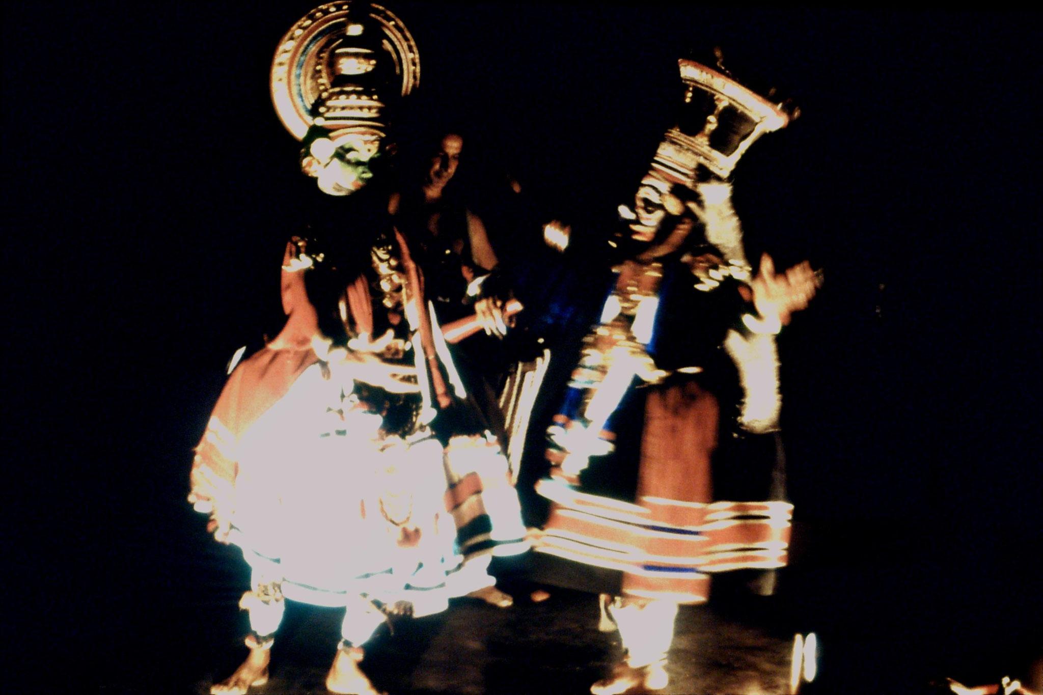 106/22: 24/2/1990 Erkunaculum - See India Foundation - Kathakali Dance