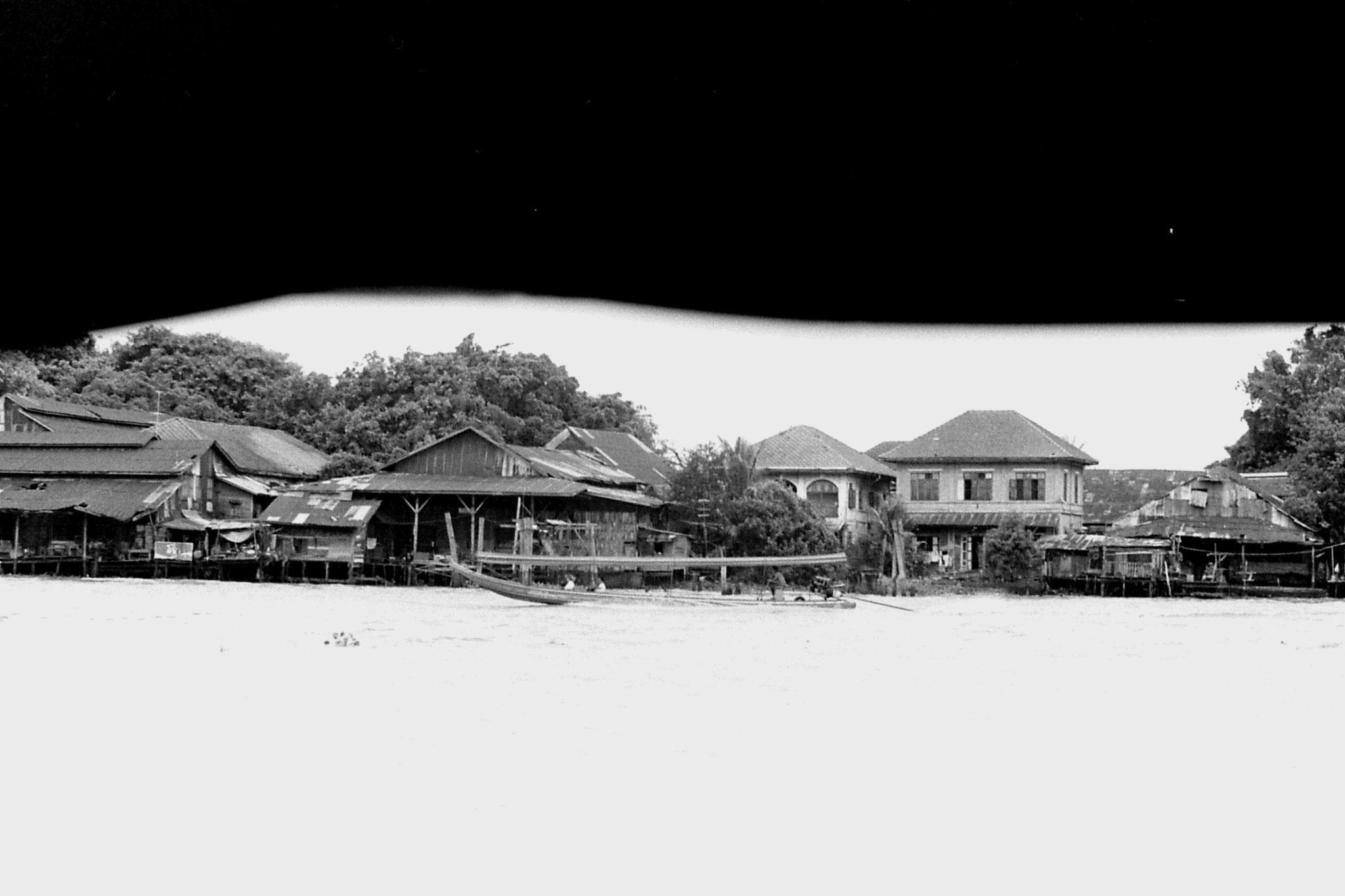 17/6/1990: 18: Bangkok, on the river