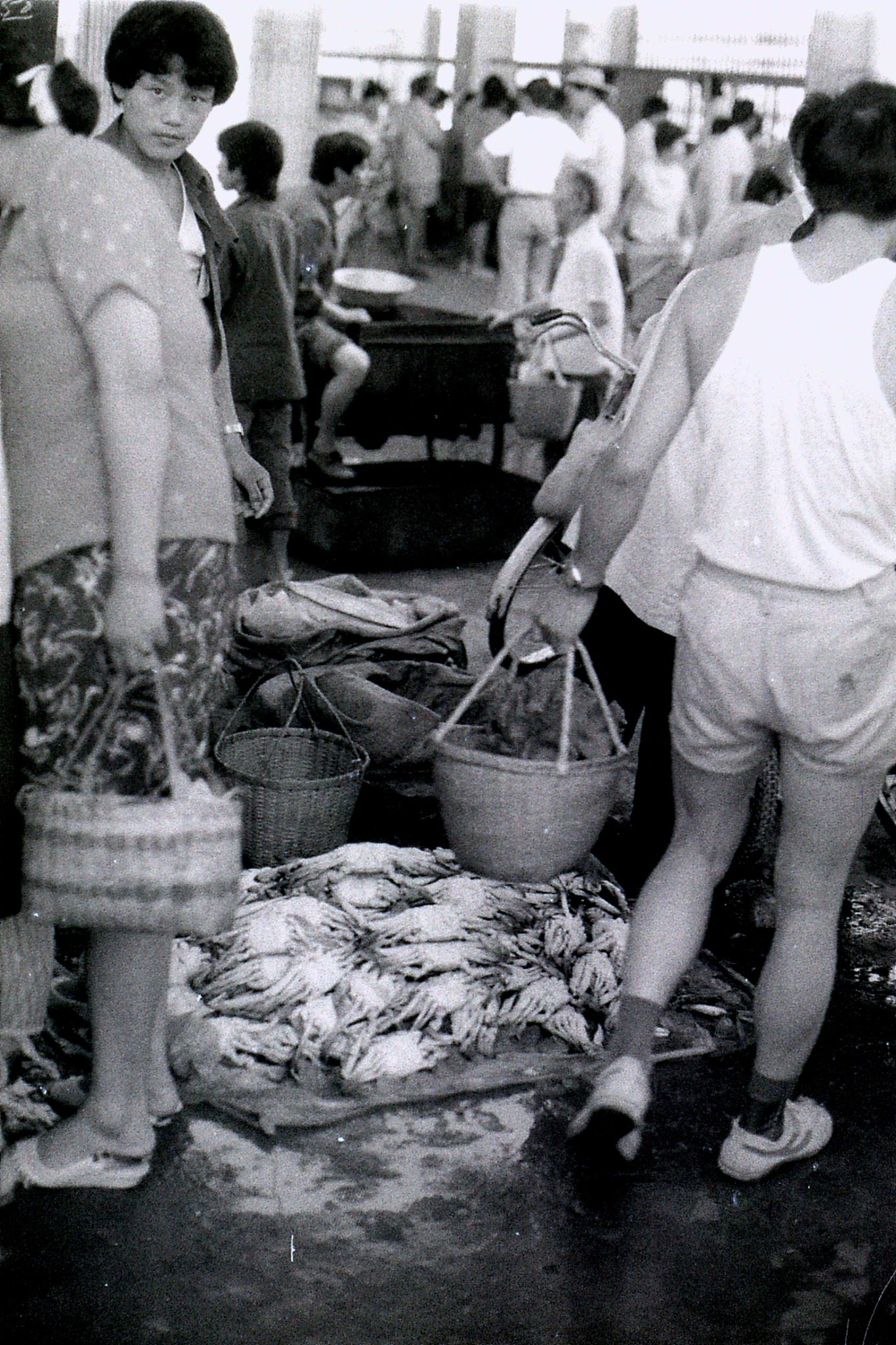 19/7/1989: 24: Zheda Free market