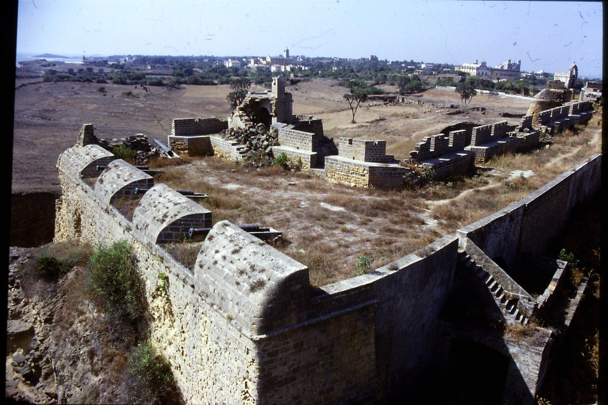 16/12/1989: 13: Diu view from fort