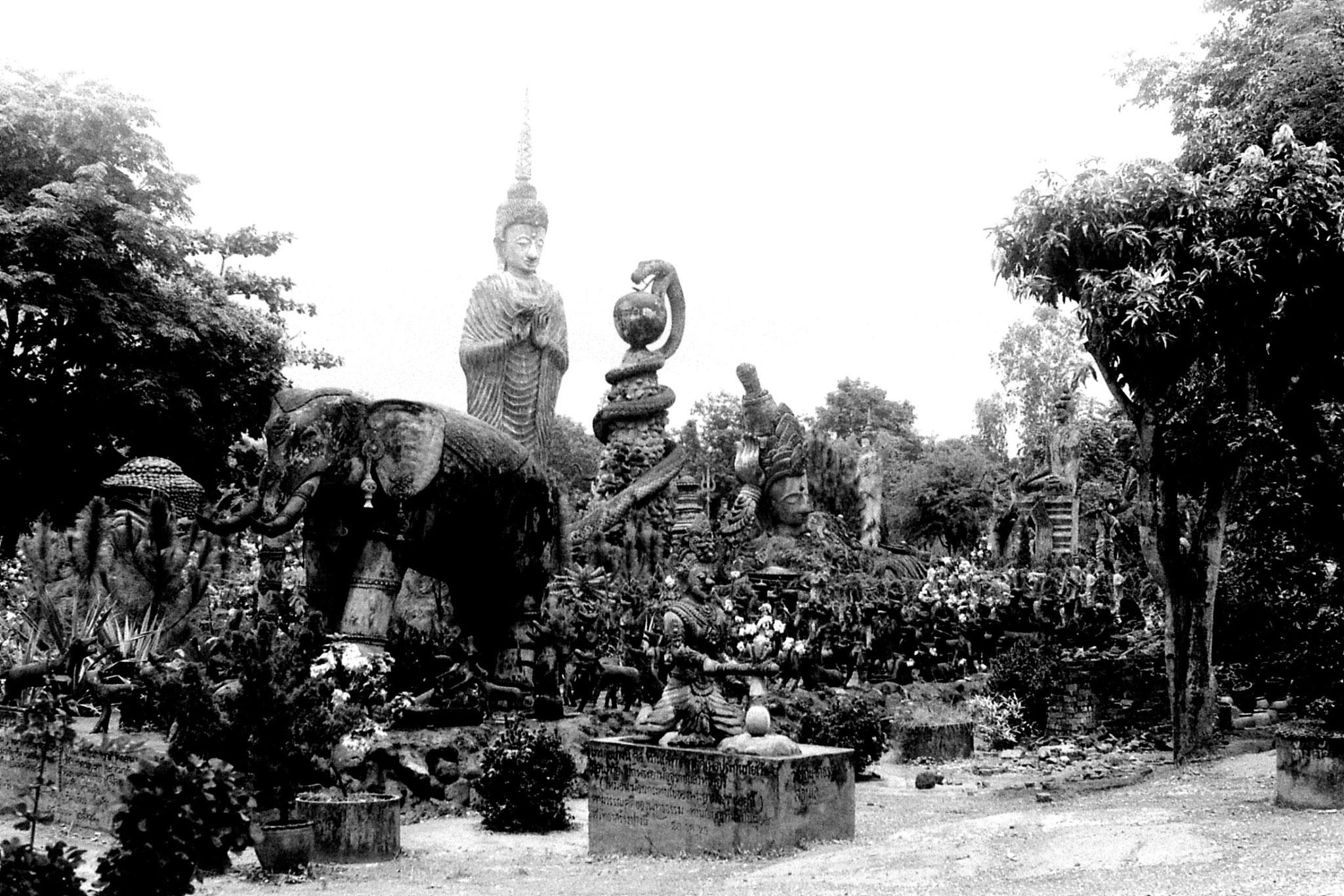30/5/1990: 20: Nong Khai Wat Kaeg