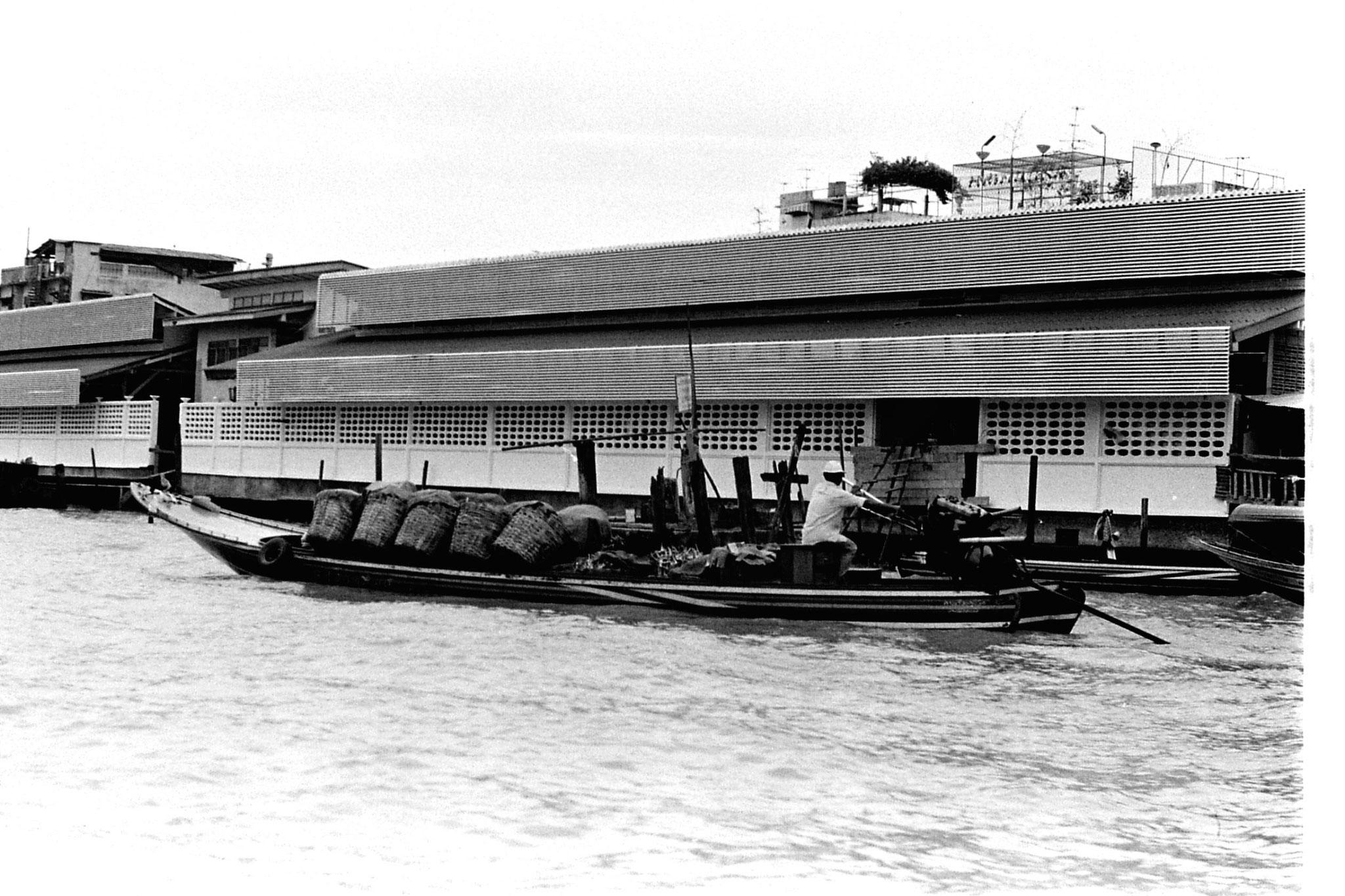 17/6/1990: 20: Bangkok, on the river