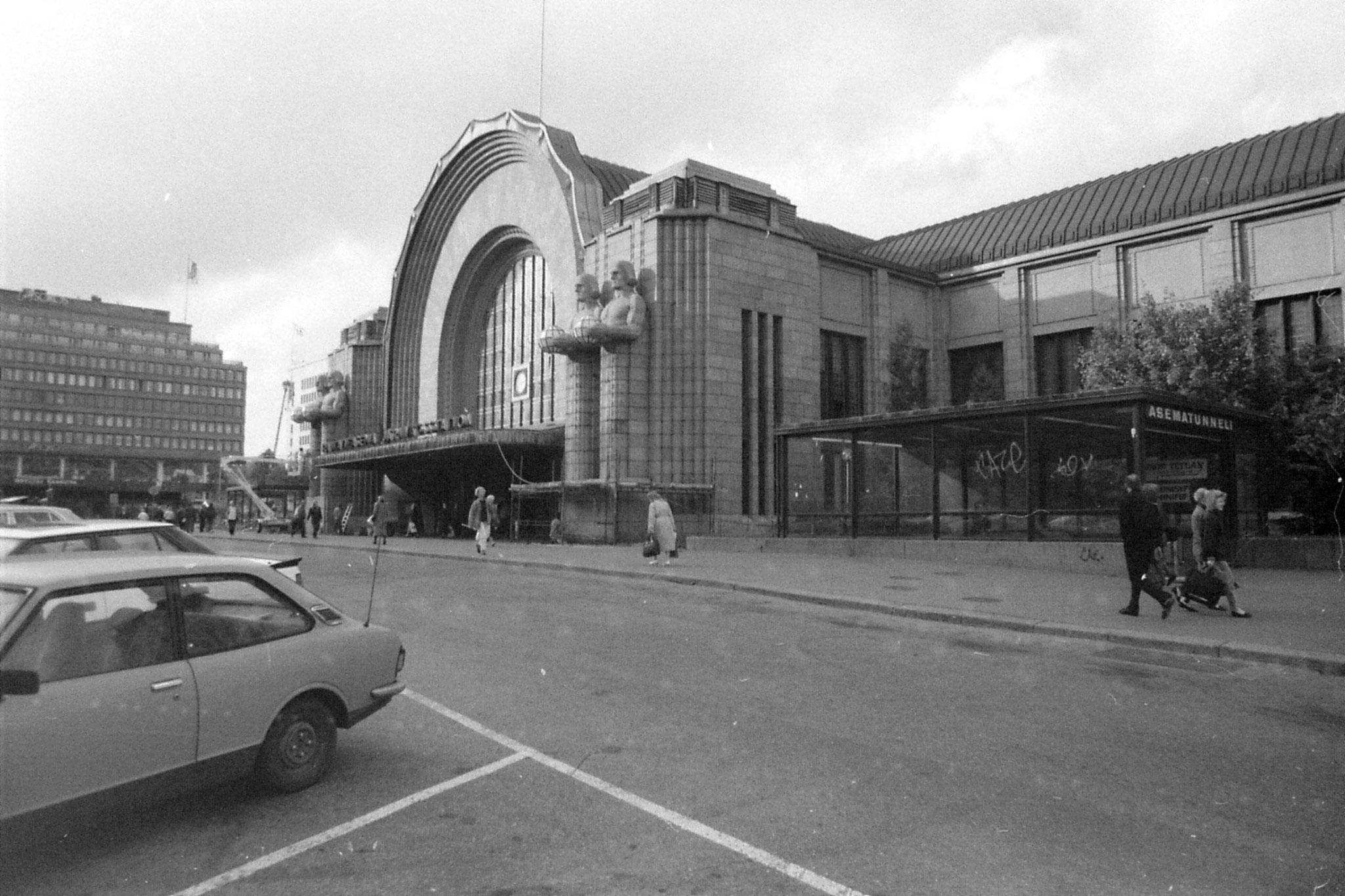 4/10/1988: 26: Helsinki Station