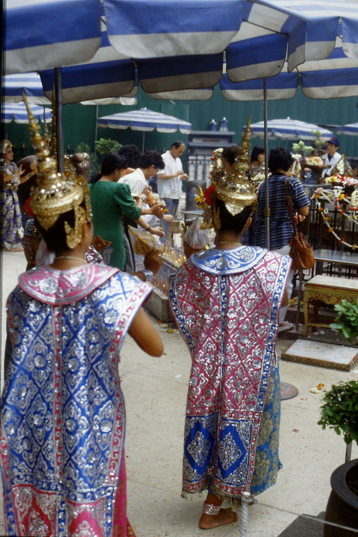 20/5/1990: 8: Bangkok Erawan Hotel shrine
