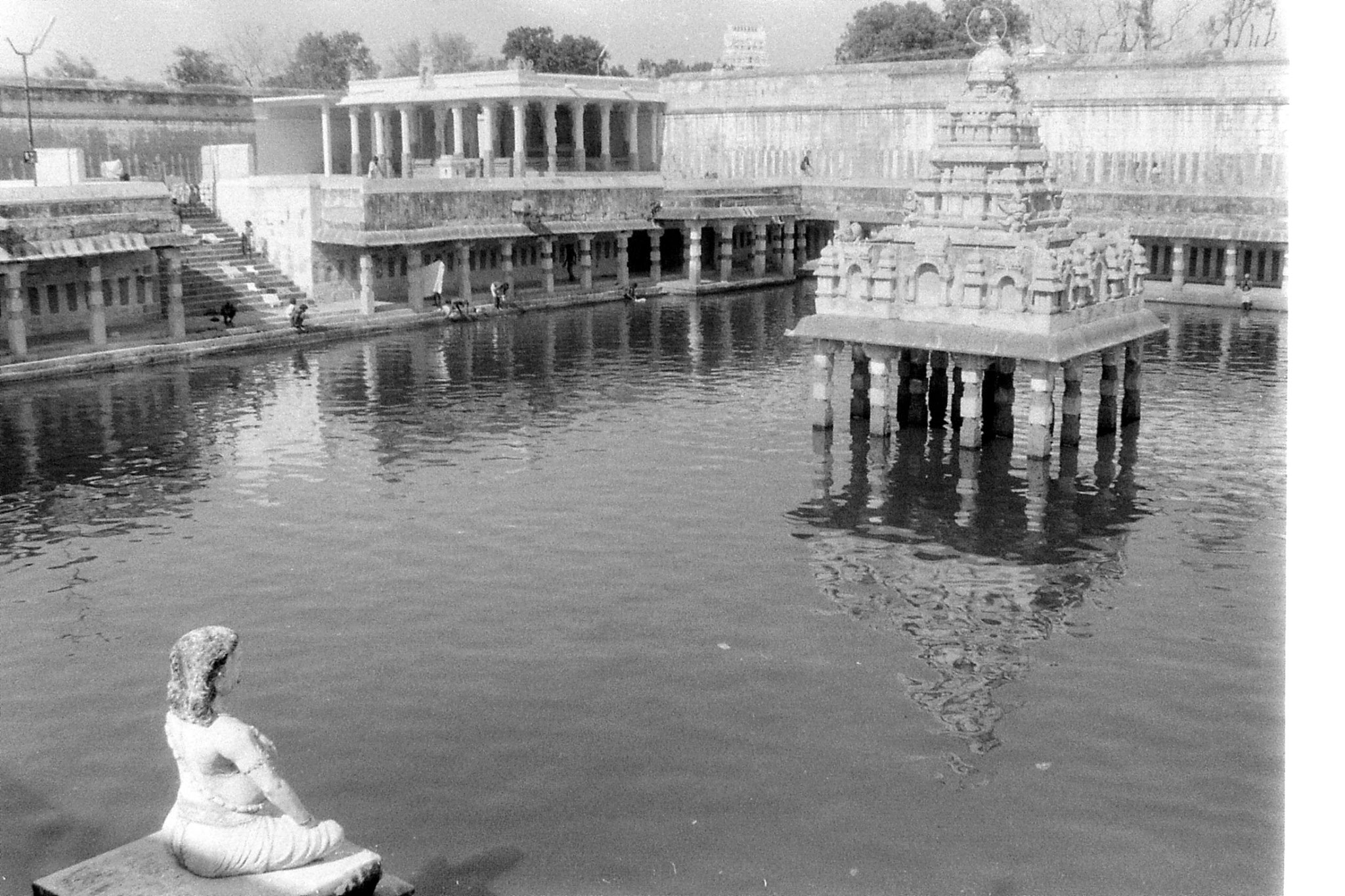 19/1/90: 17: Kanchipuram - Kamakshi temple