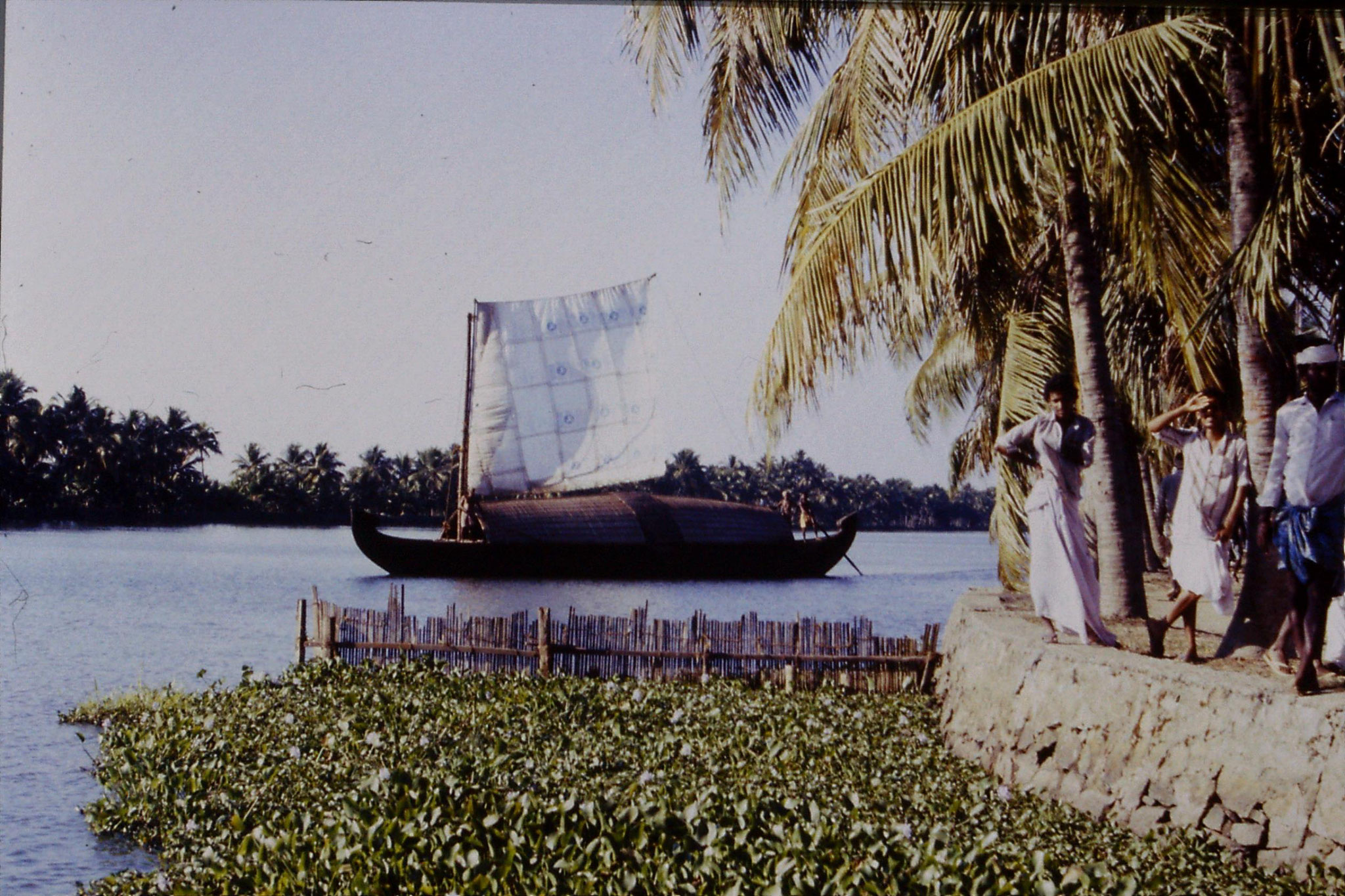 106/09: 23/2/1990 Boat to Alleppey
