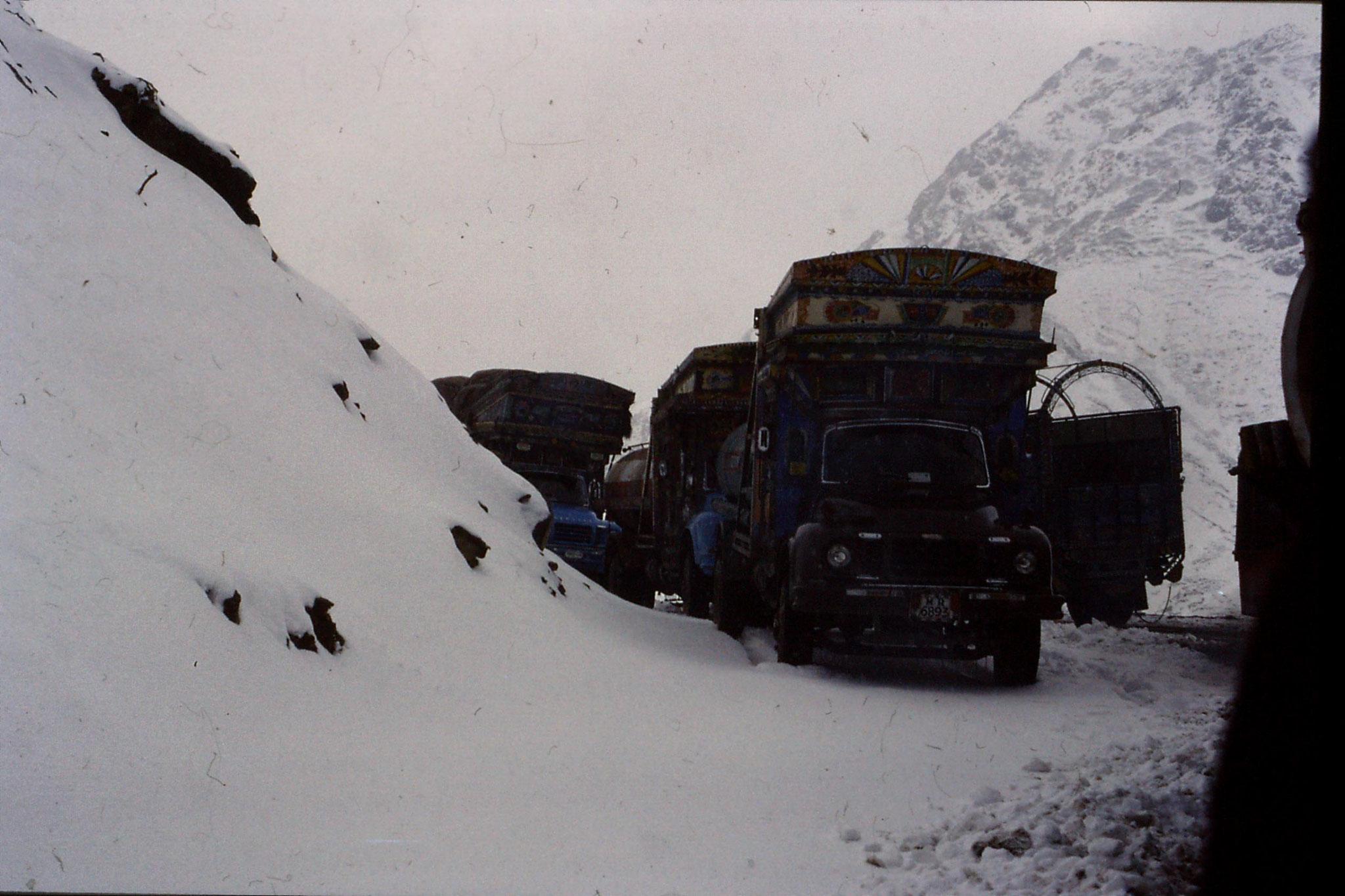 2/11/1989: 7: Loweri Pass