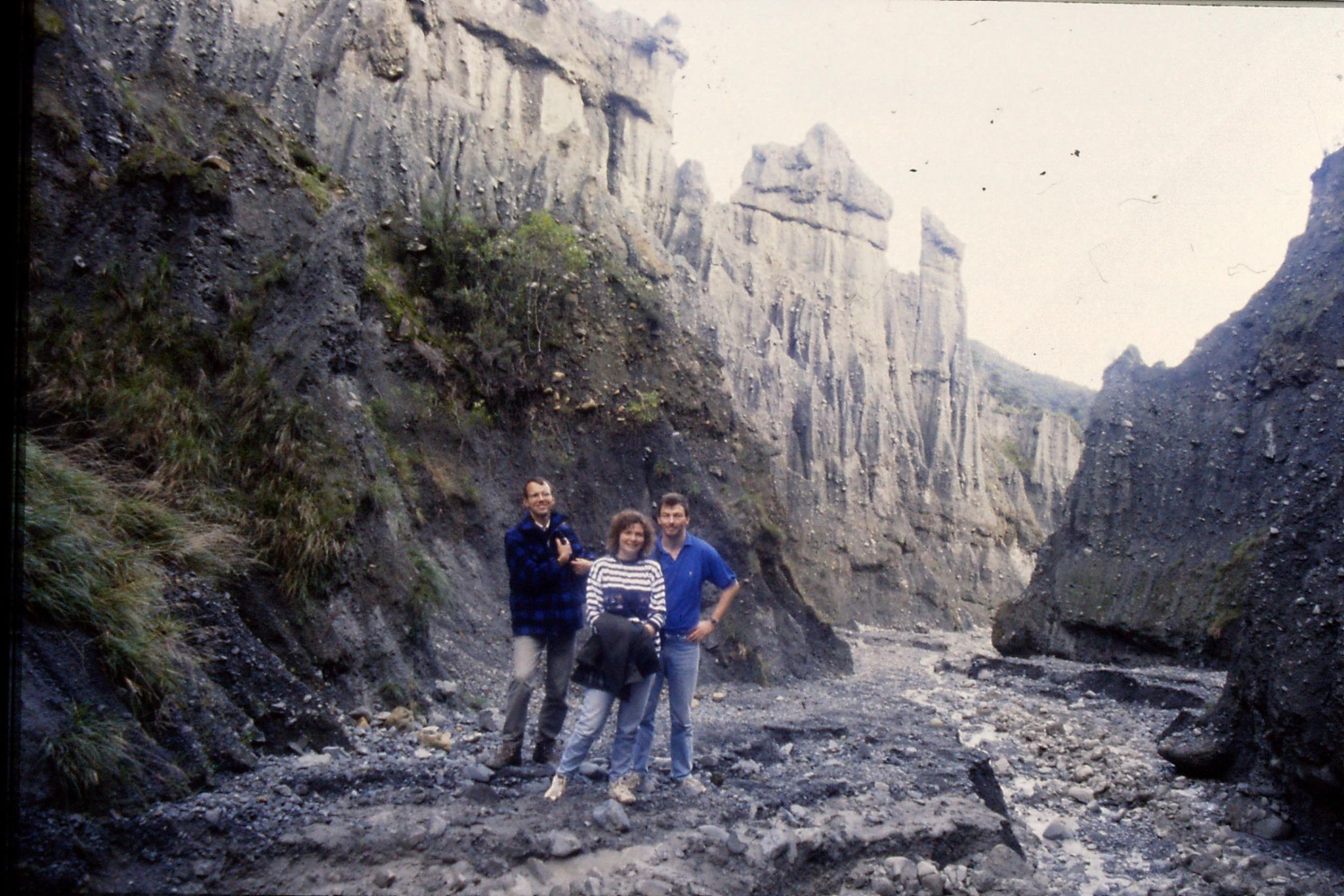 26/8/1990: 11:  Putangirua Pinnacles, R Sandra and Duncan