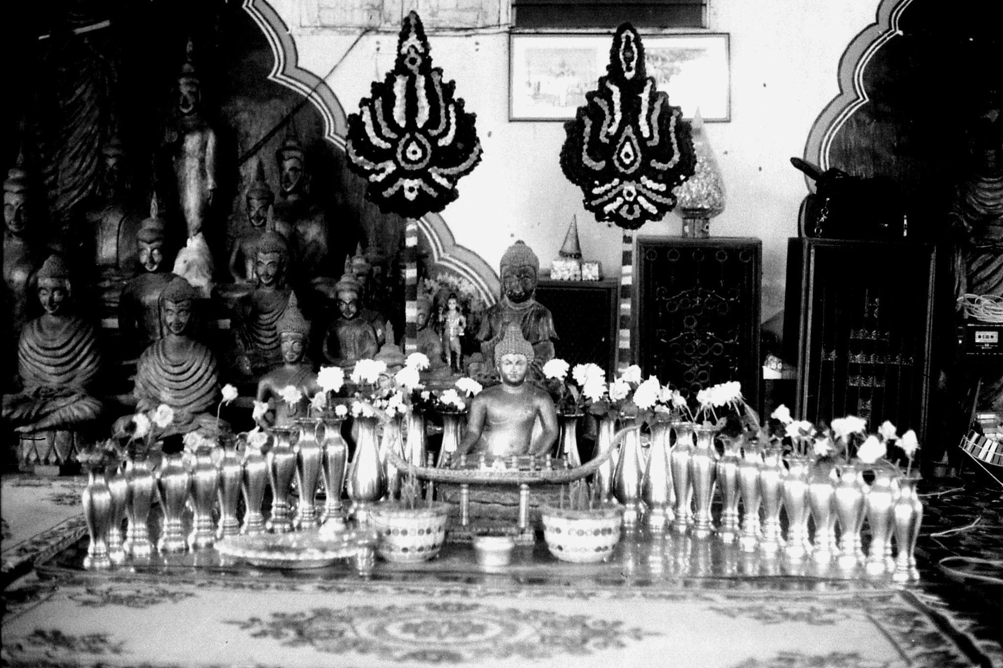 30/5/1990: 17: Nong Khai Wat Kaeg