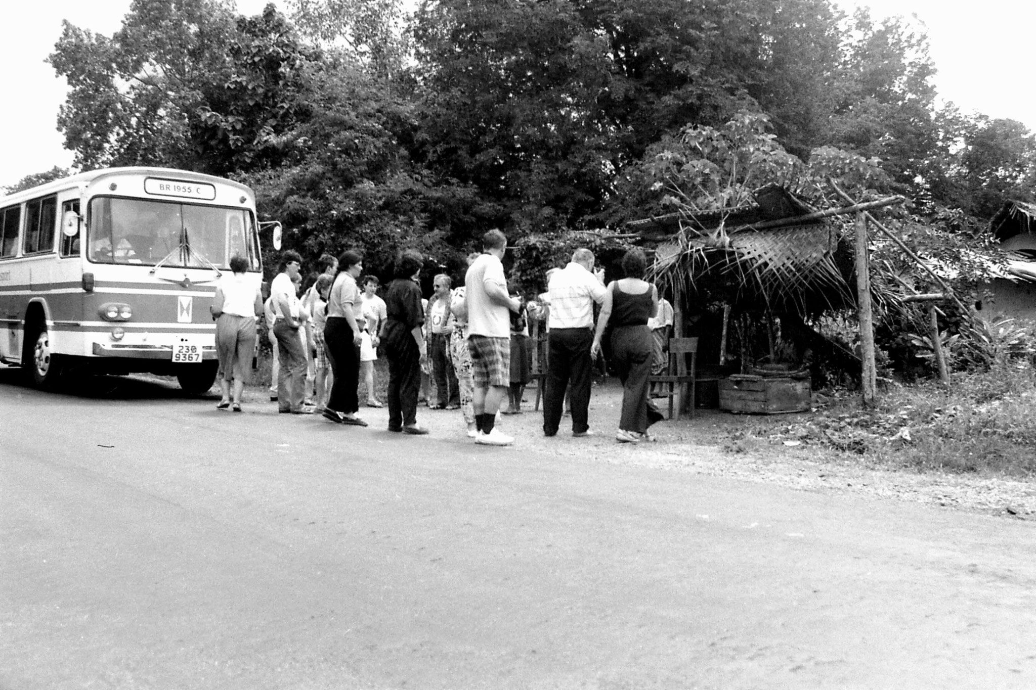 7/2/90: 7: tourists with snake between Sigiriya and Polonnaruwa