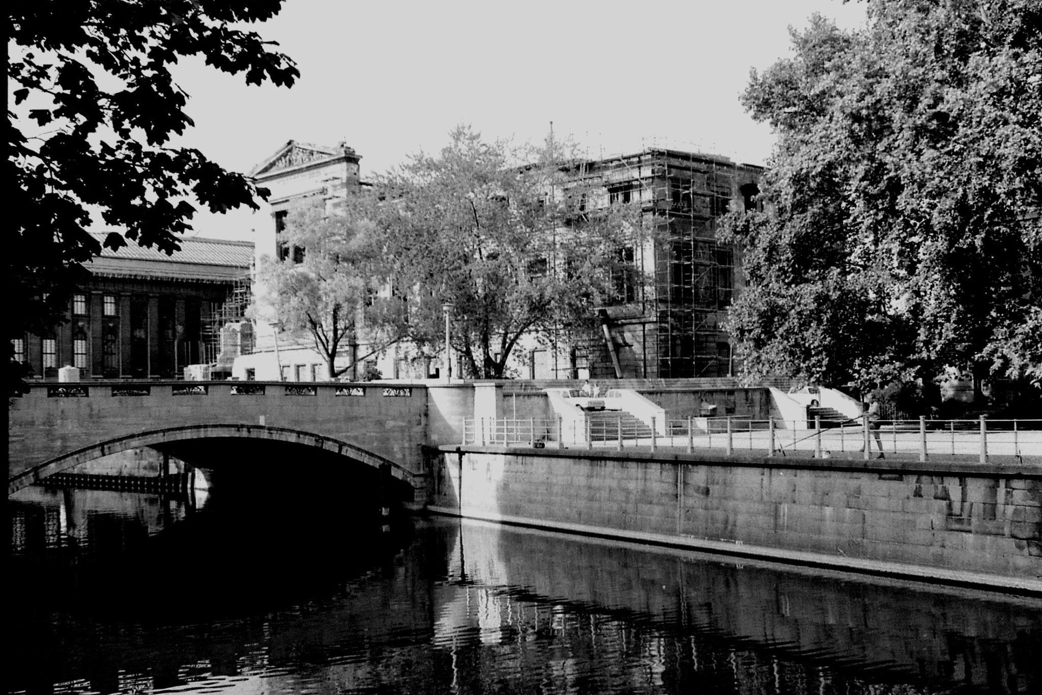 18/8/88: 1: Berlin, Neues Museum